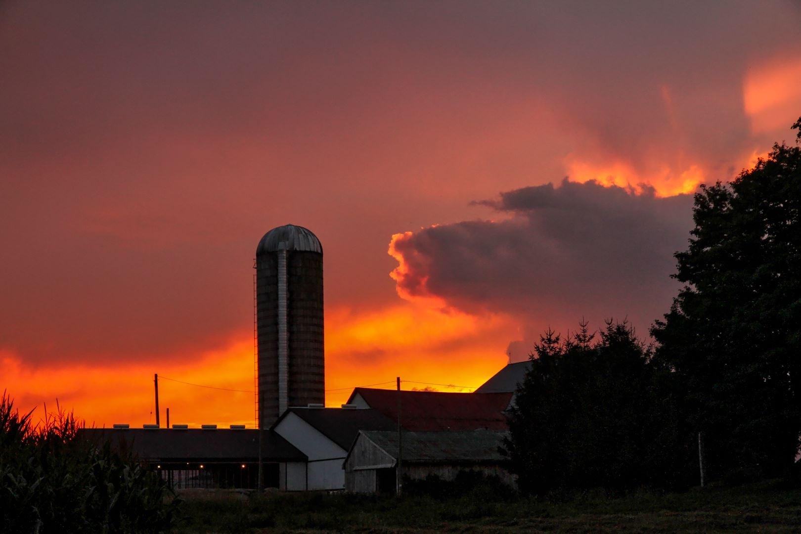 Hell Sunset by El Merrifield