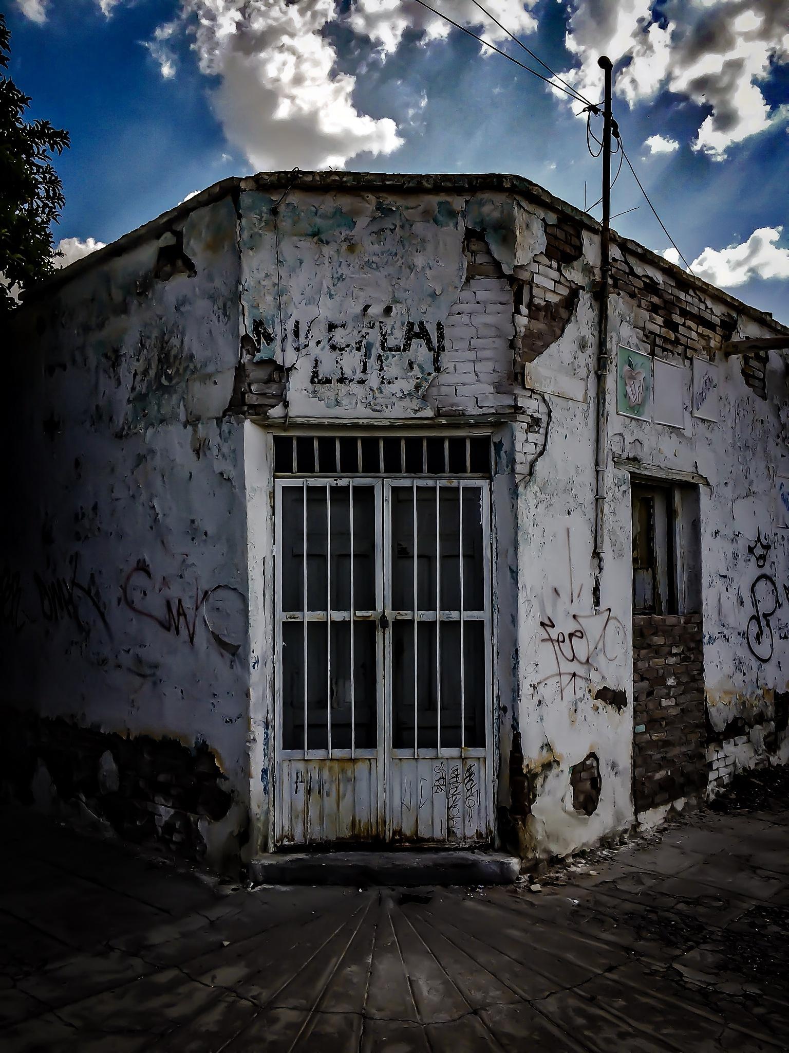 Puertas... by Rocio Sifuentes Orozco