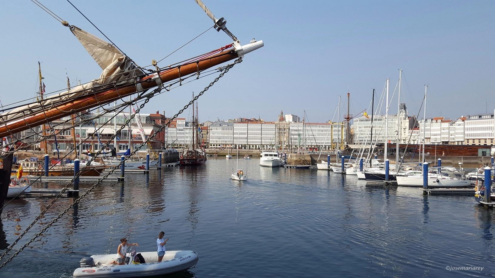La Dársena de La Marina (La Coruña) by josemariareymontes