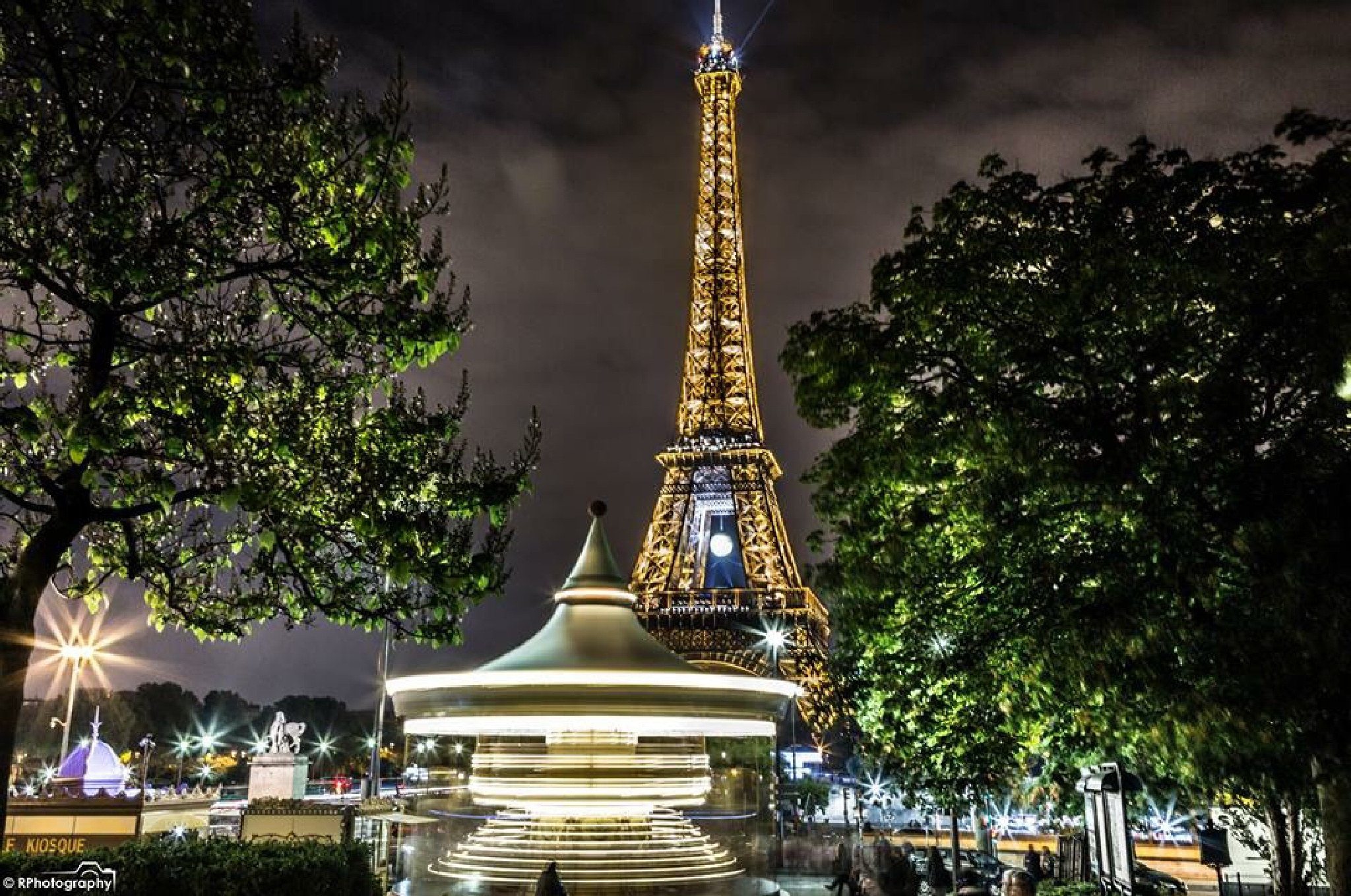 Eiffel tower HDR by RPhotography