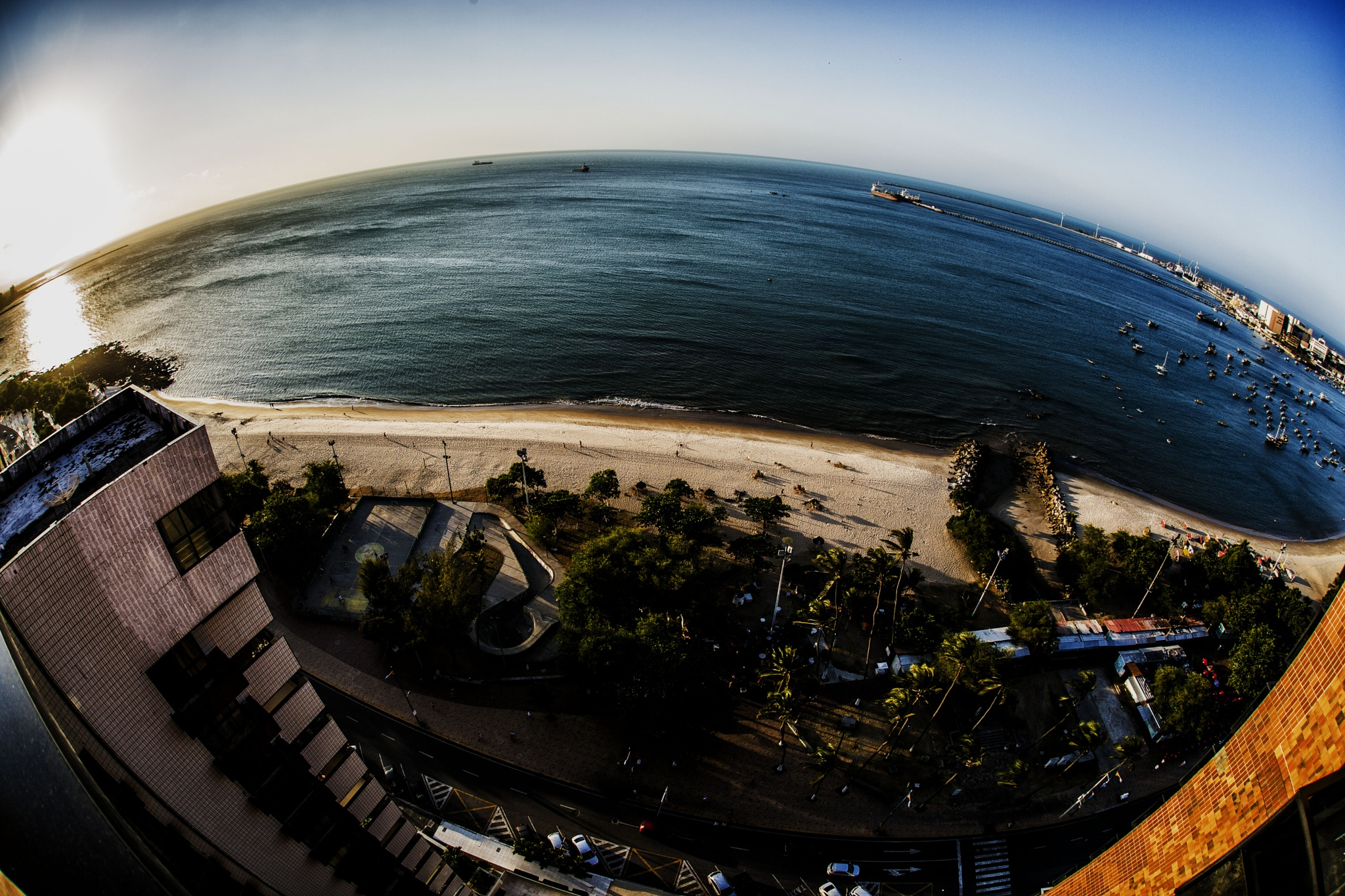 The sea from my window ! by gilsoncampelodeoliveira