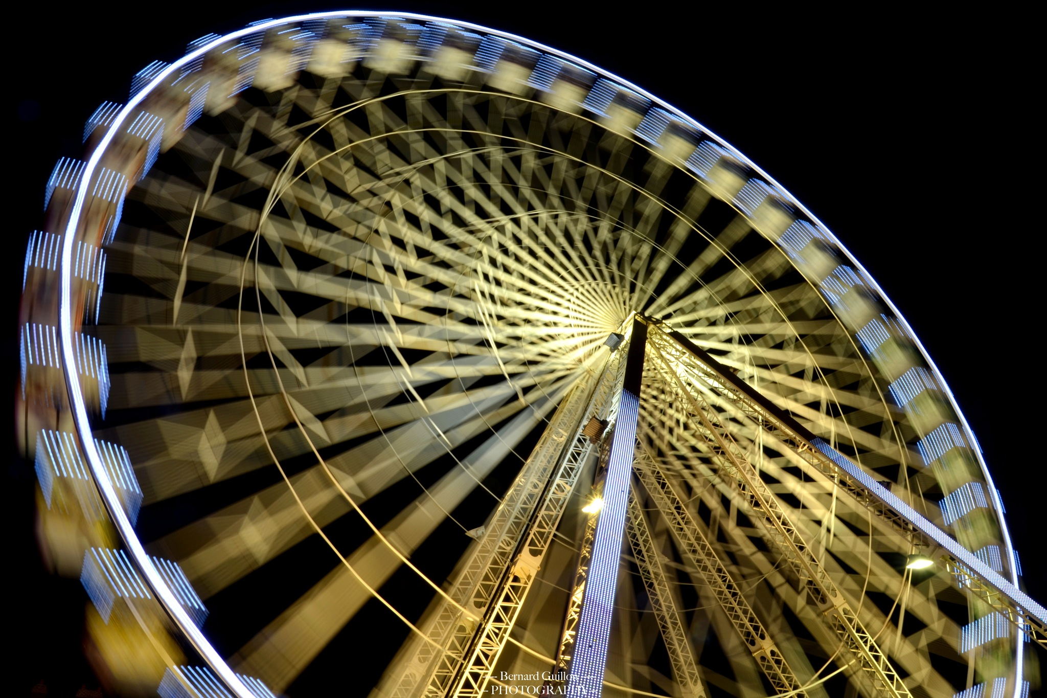 The big wheel in motion by Bernard Guillon