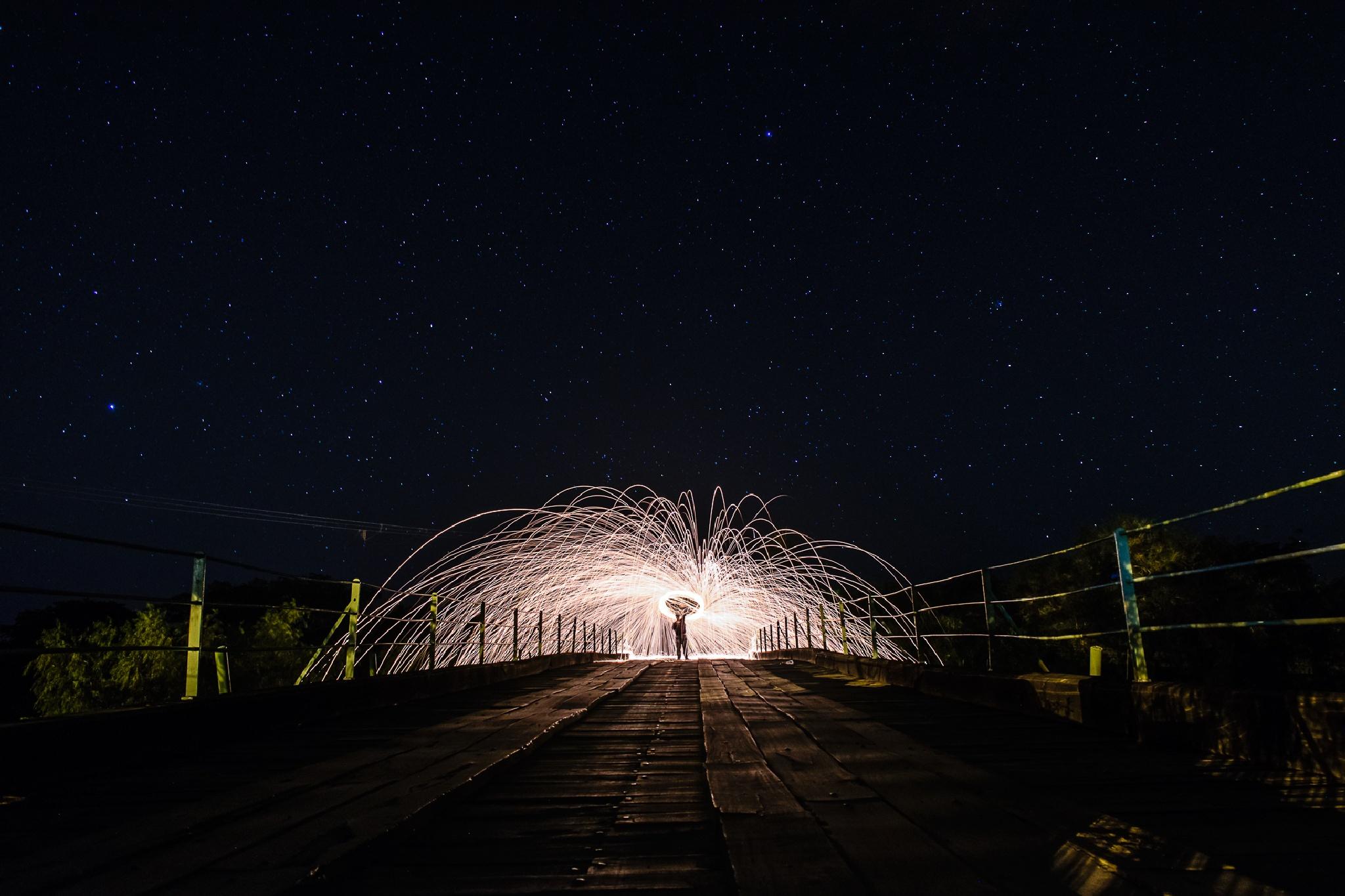 estela sobre el puente pexoa 1 by Sebastian Encina