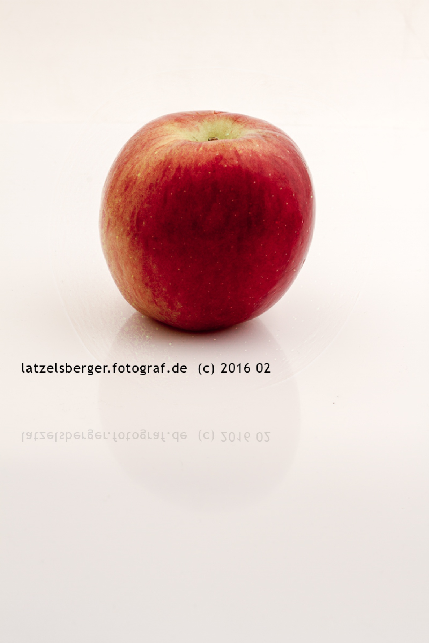 apple by erich latzelsberger