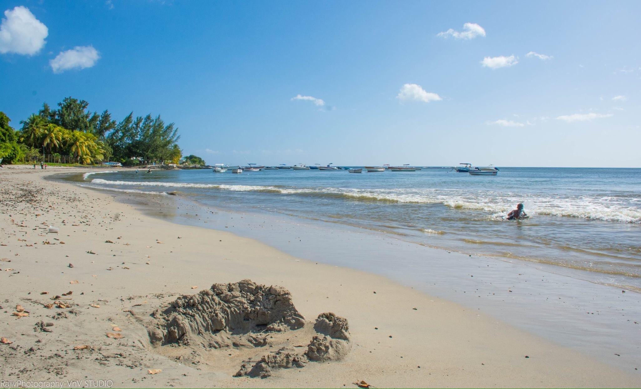 Beach life  by RajivPhotography