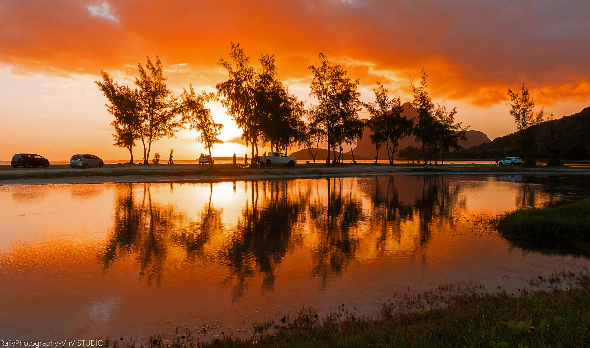 Sunset Moment by RajivPhotography