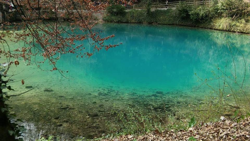 turquoise water by Iri Rusu
