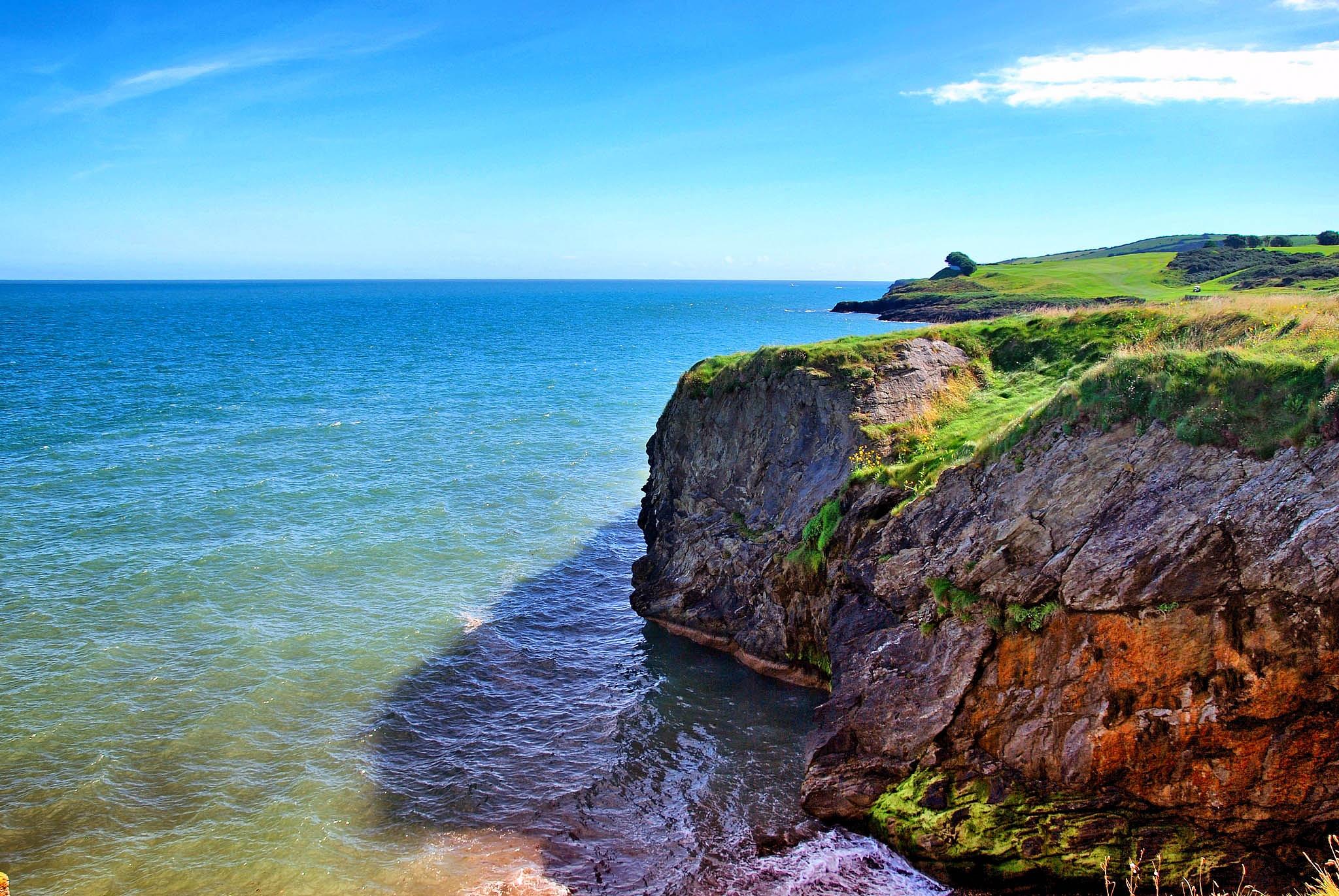 Irish Sea coasts by Vitalijus Ruth