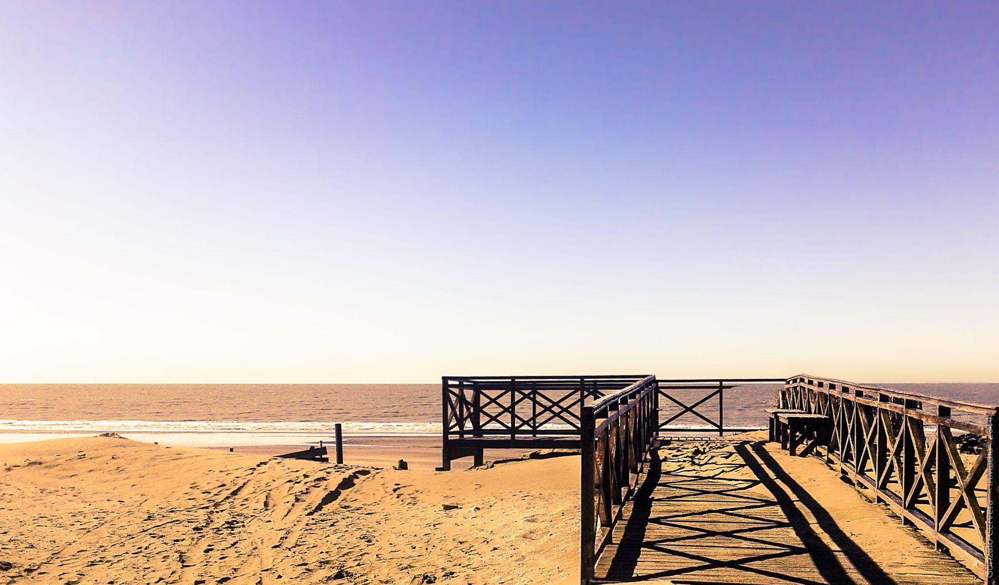 beach one day by Gonzalo Cervera