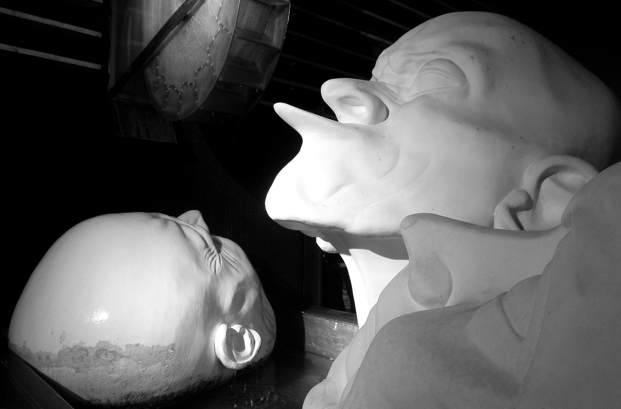 Three heads by monicarla
