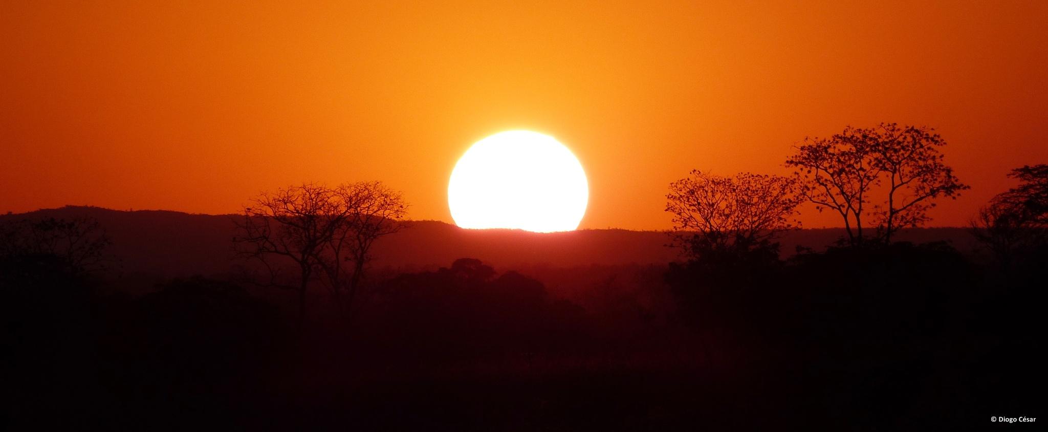 Pôr do sol na Serra do Cabral by Diogo César
