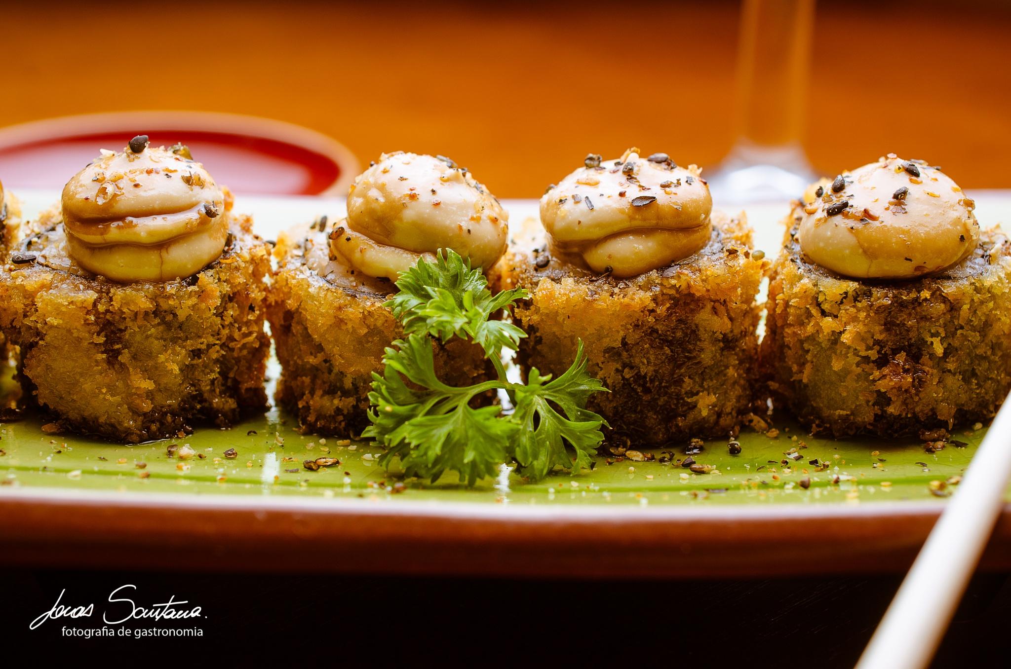 sushi by Jonas Eduardo Santana
