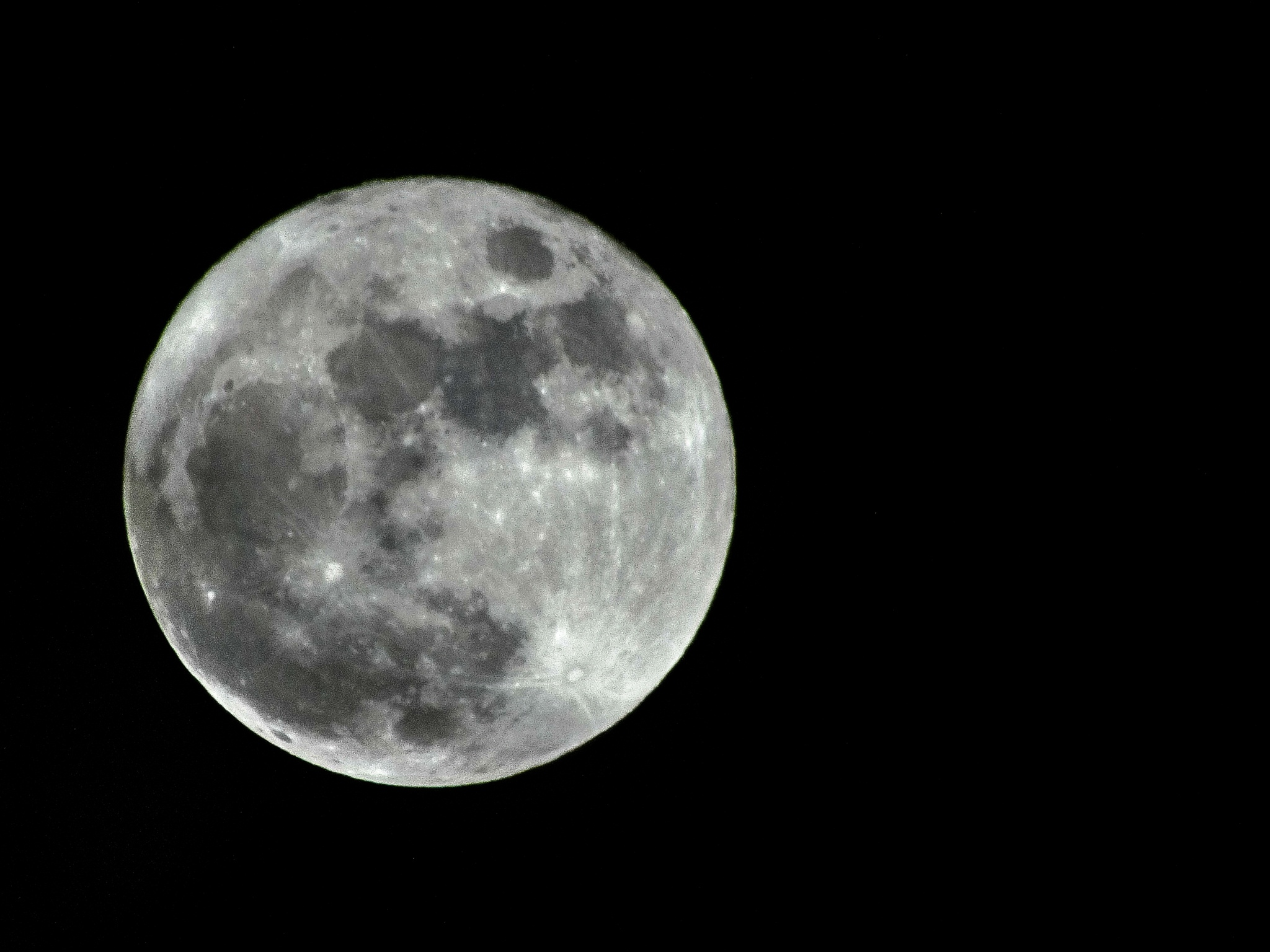 Late 2015 moon by Bogdan Birleanu