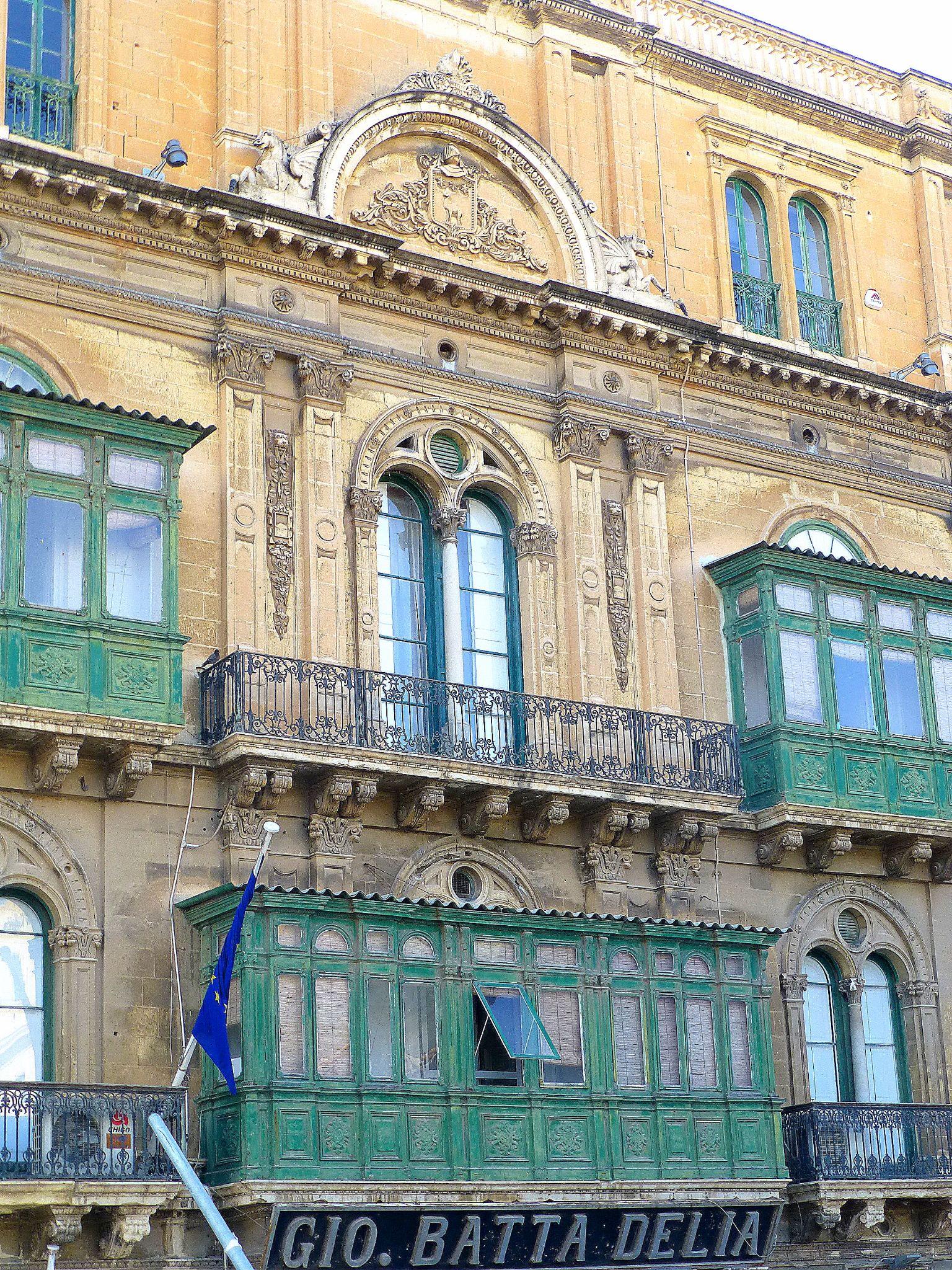 Centro historico de La Valetta , Malta . by marisabelcaferri
