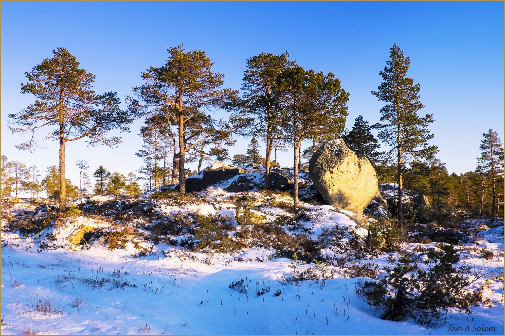 Hiking destination by Jan Arvid Solem