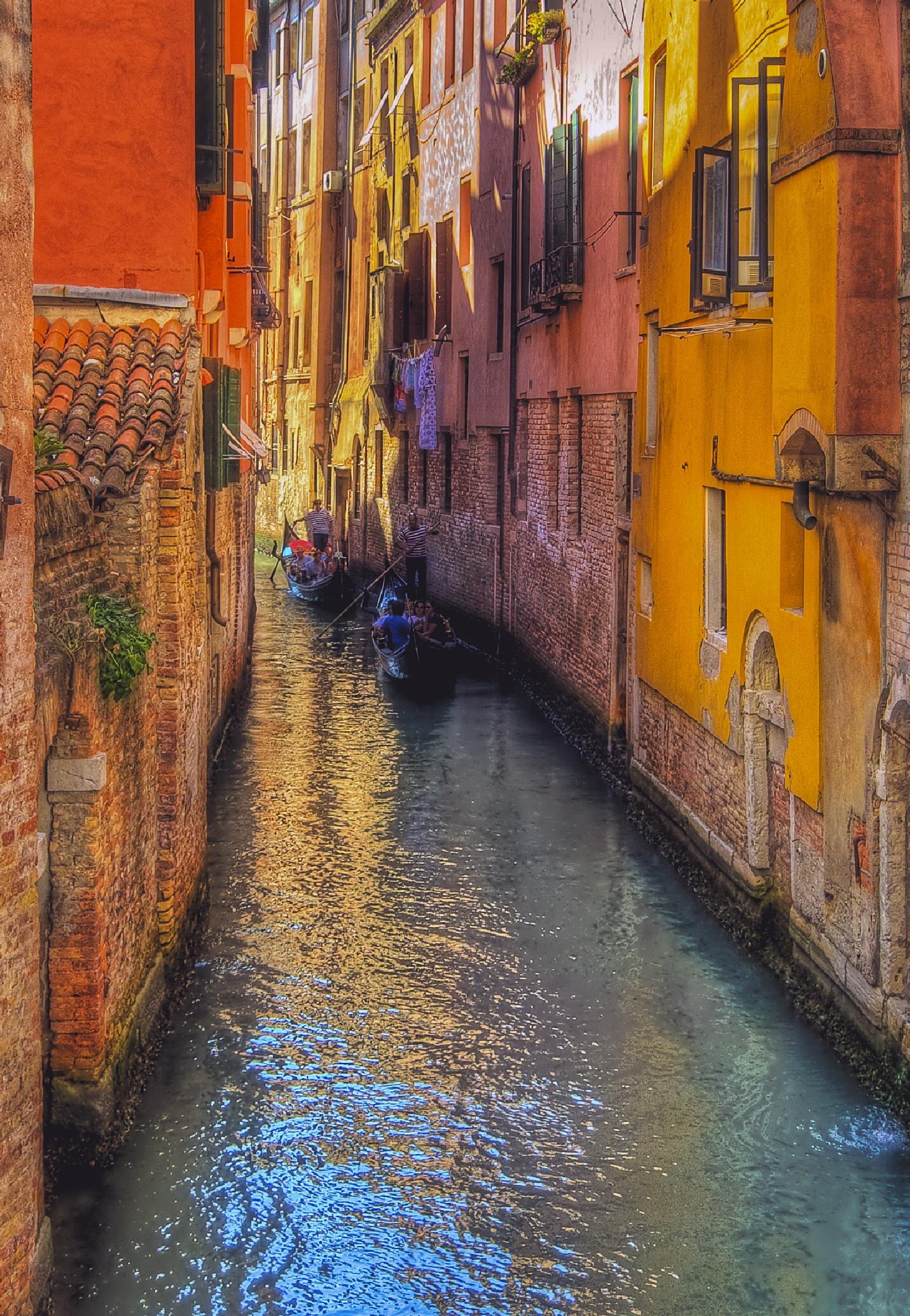 Venice canal by MarieJirousek