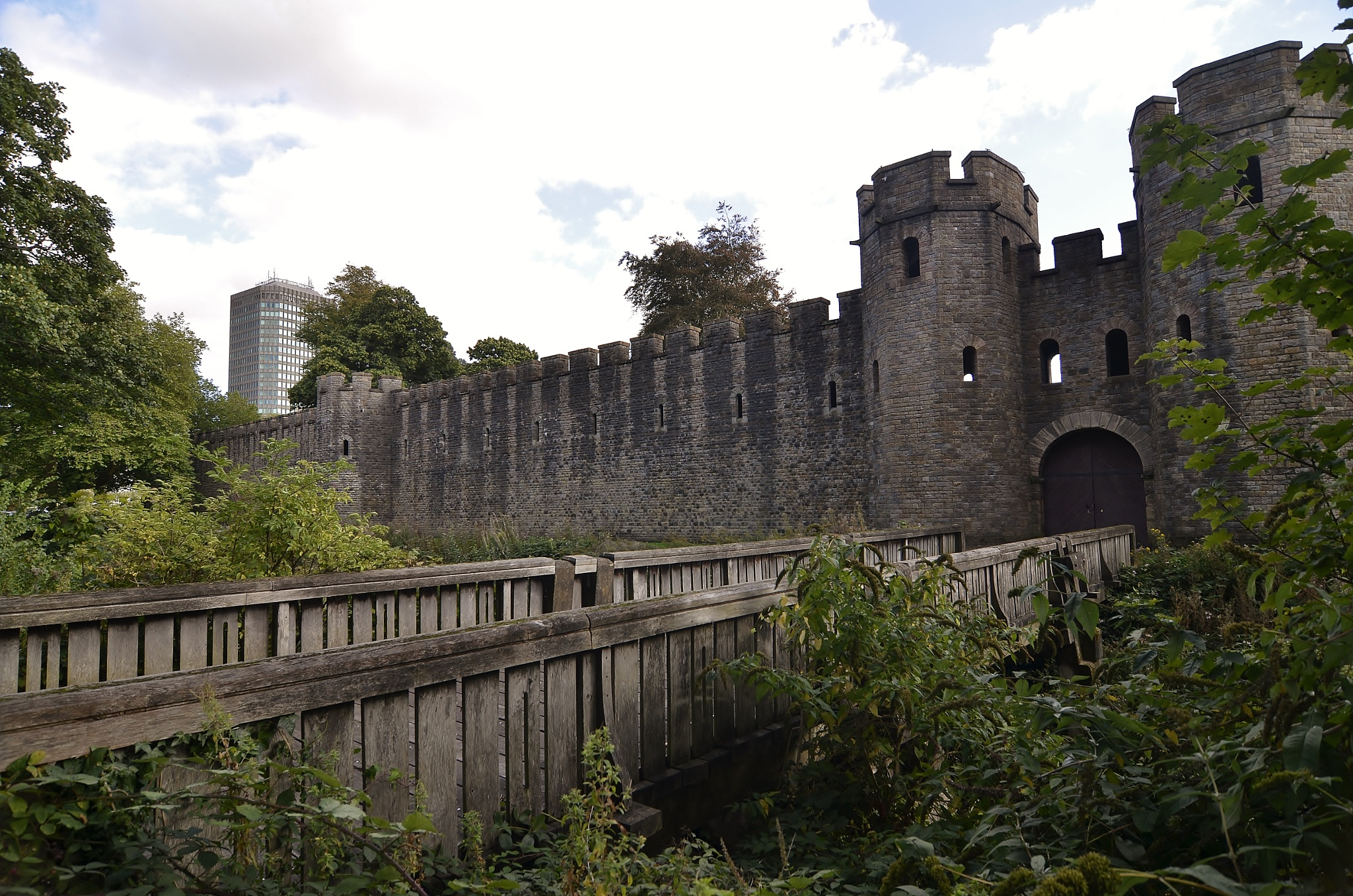 Cardiff Castle by melaniehartshorn40