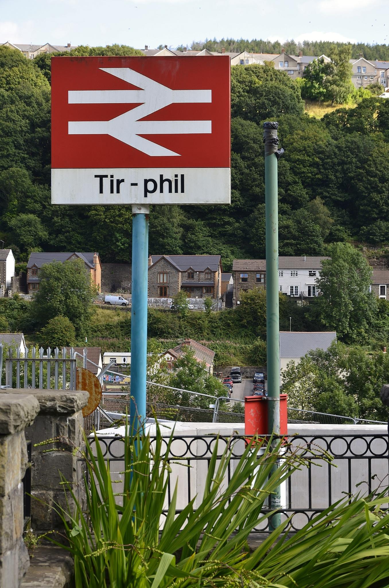 Tir-phil by melaniehartshorn40