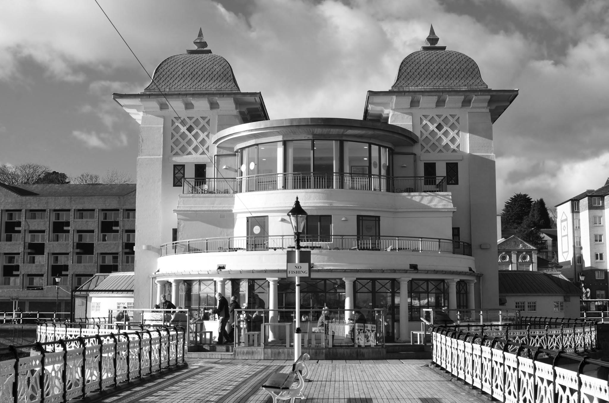 Penarth Pier by melaniehartshorn40