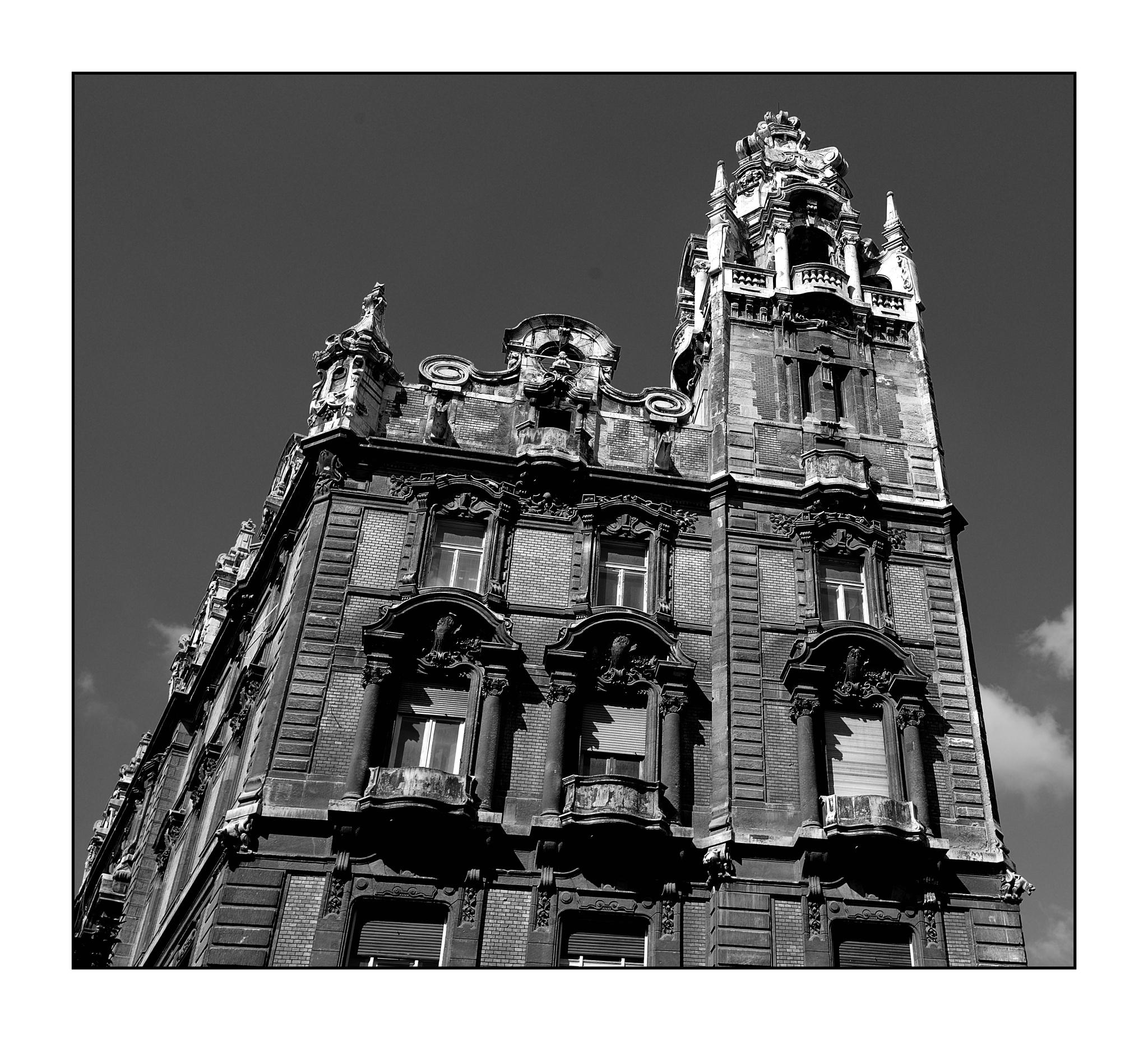 Building by karlbertil