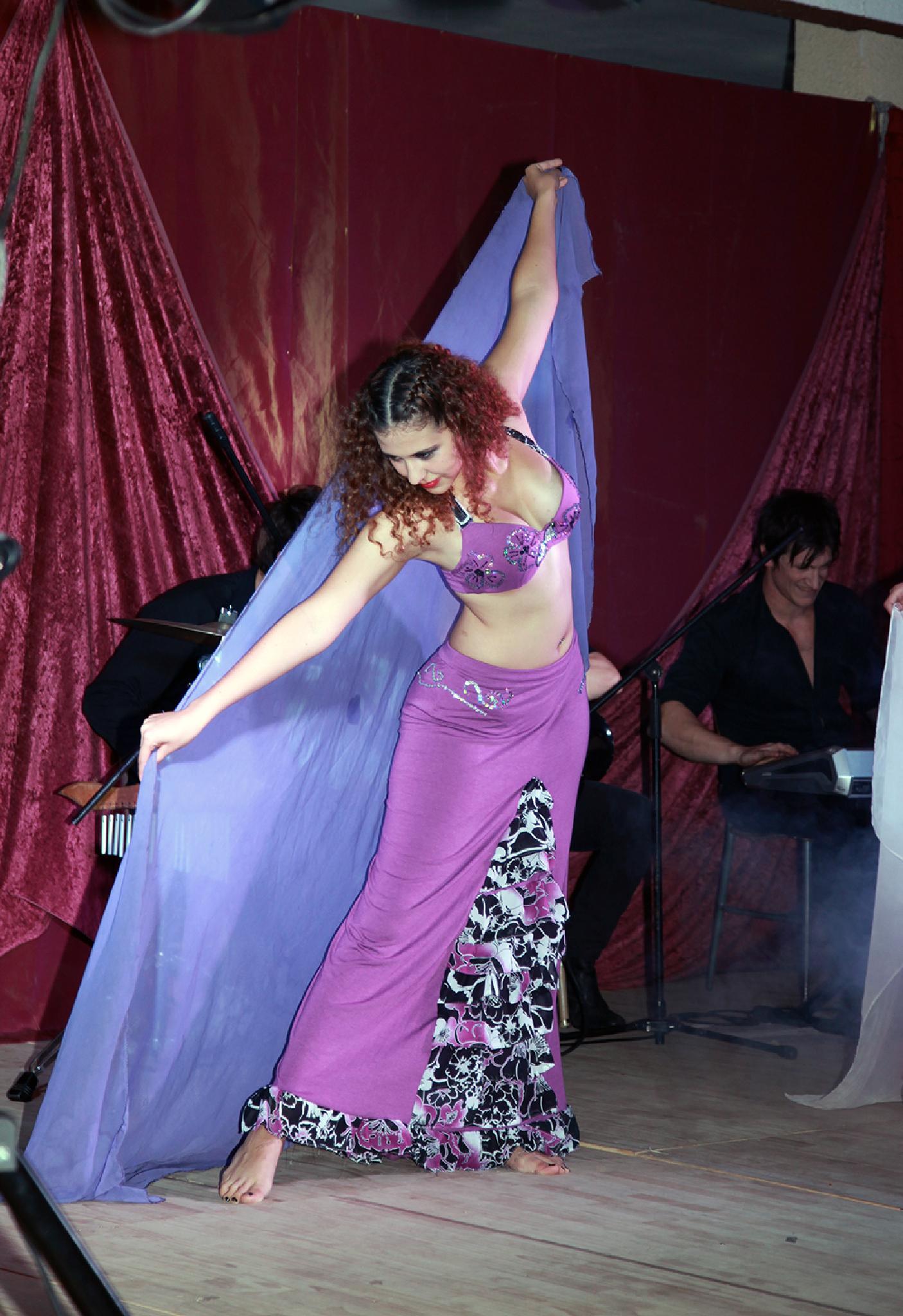 bailando con orquesta by Pablo Naveyra