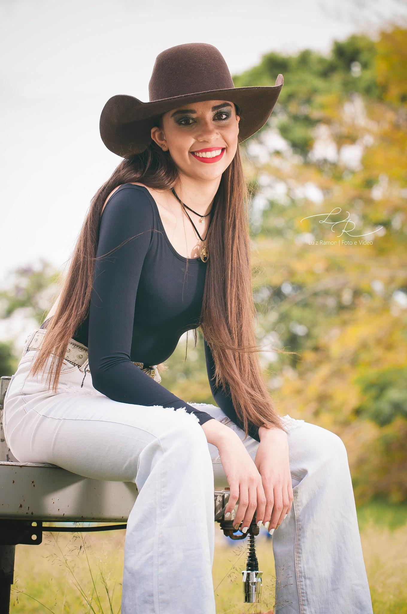Girl by Luiz Eduardo Ramon