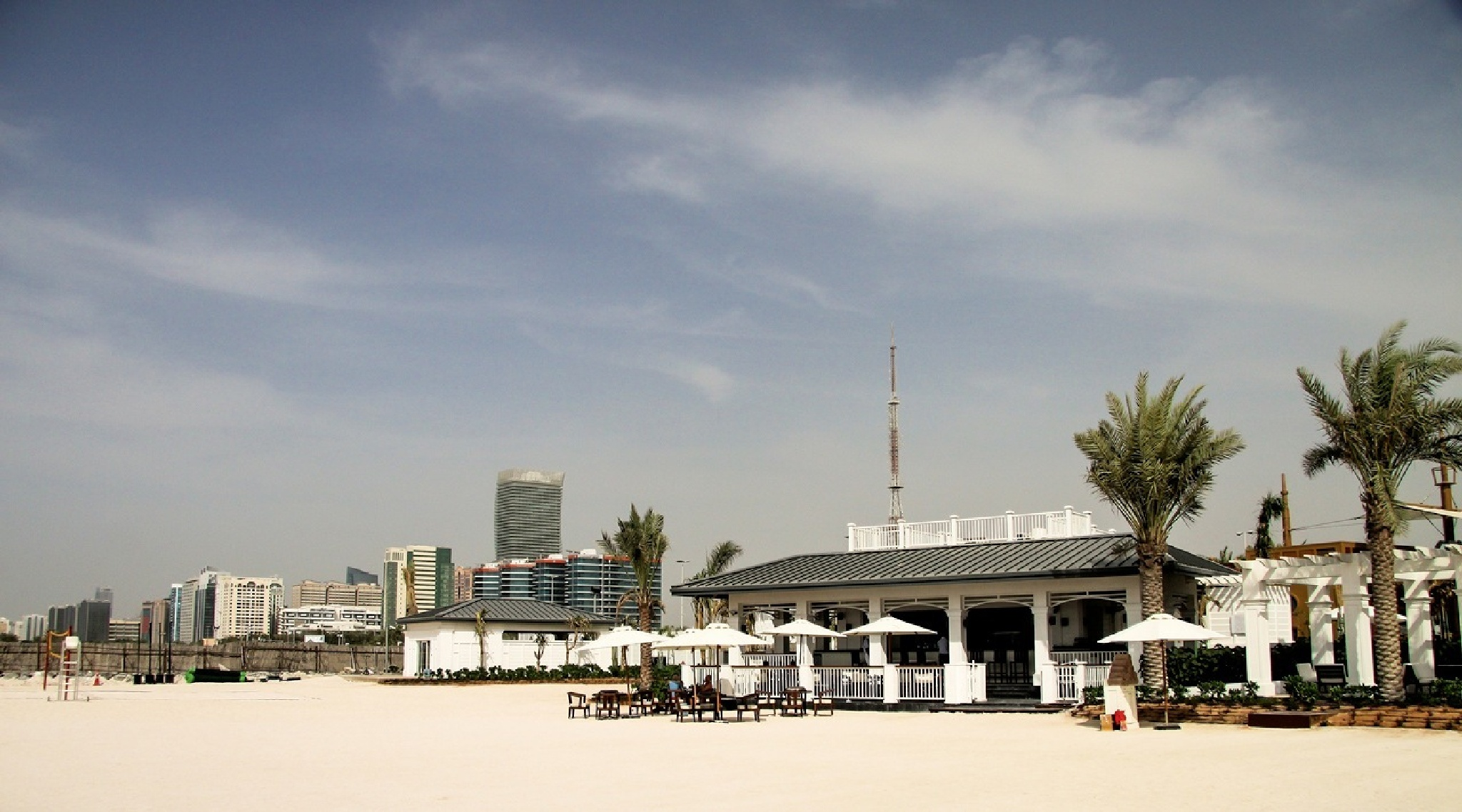 Abu Dhabi beach by charles1962
