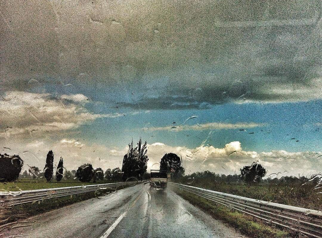 Rain and blue sky by barbarachiodelli