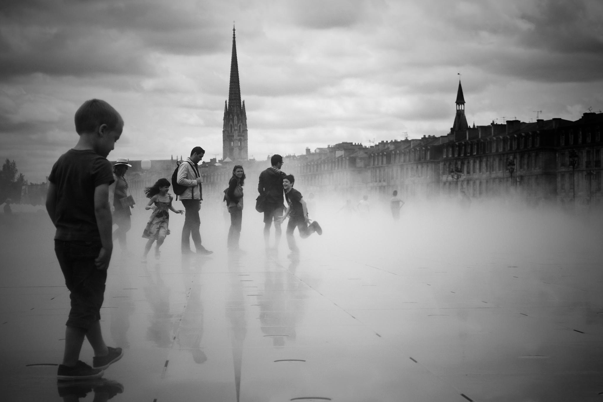 Fun at Miroir des quais, Bordeaux by D.Ryffranck