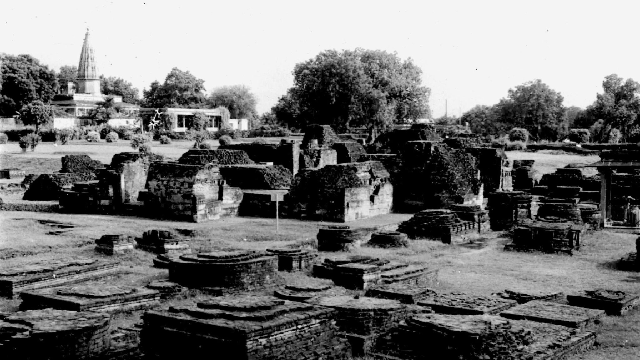 The lost Civilization - The Maurya Dynasty by Suresh Tewari
