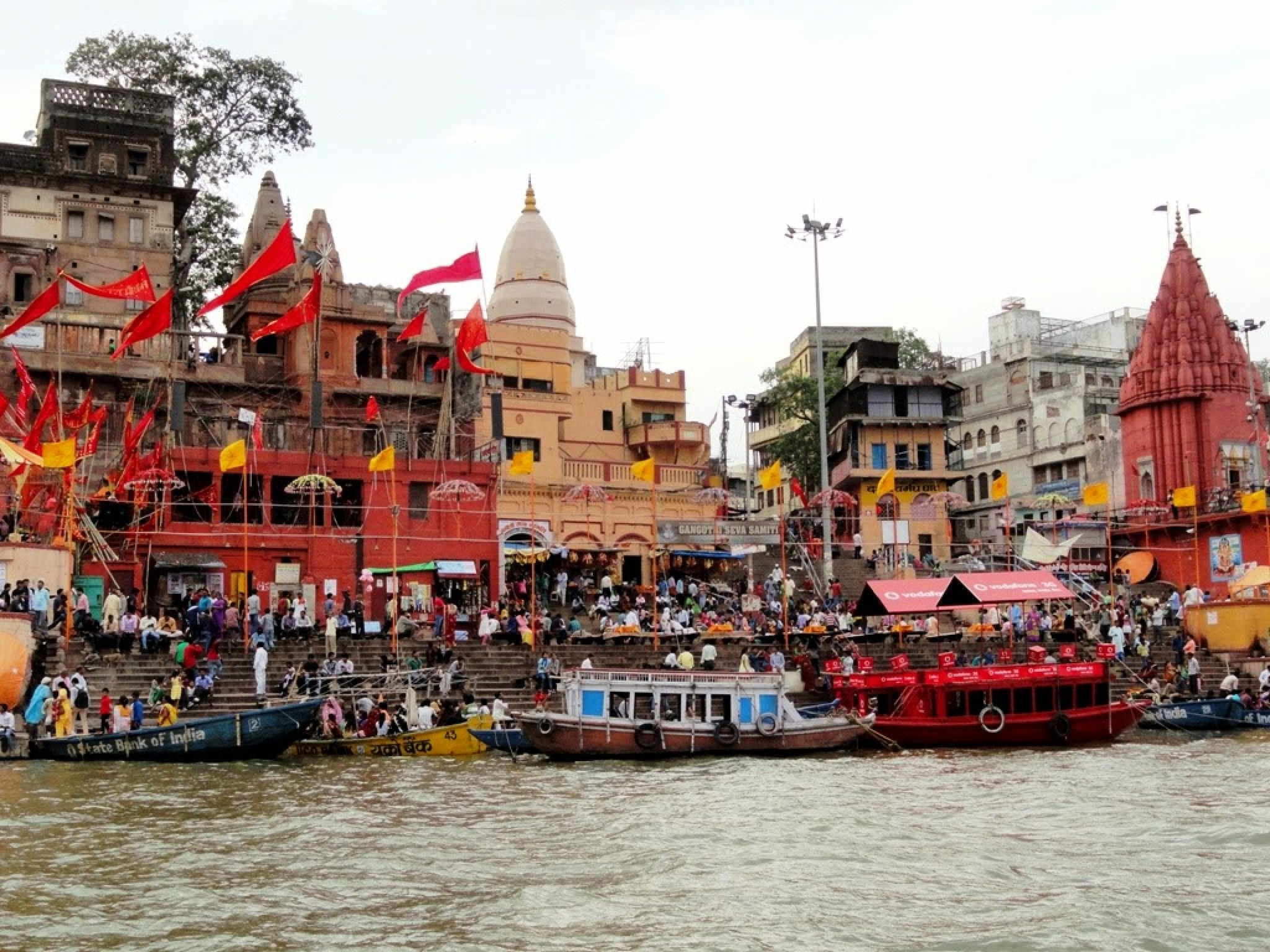 Dashashwamedh Ghat by Suresh Tewari