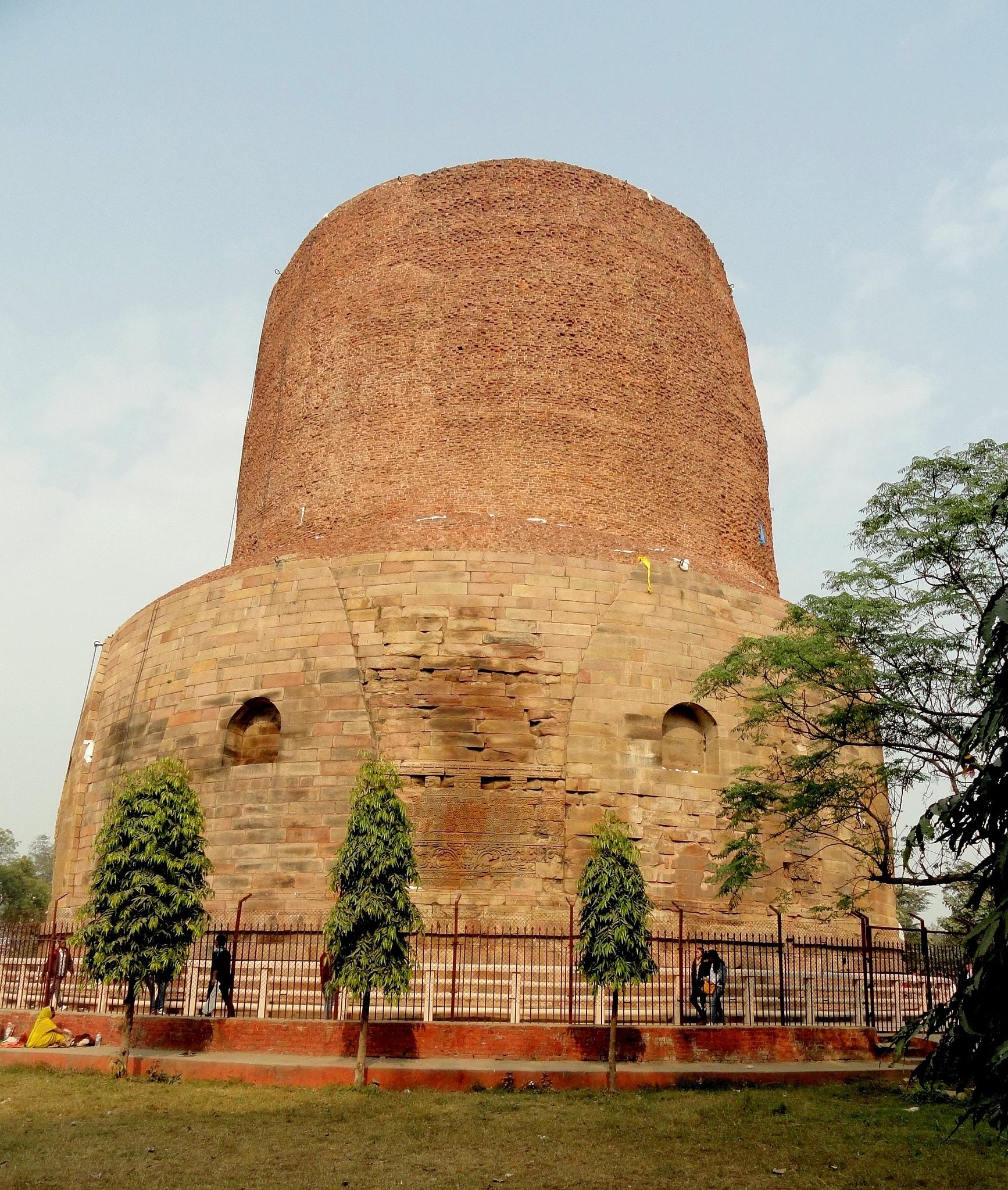 Dhameka stoop (Tomb) by Suresh Tewari
