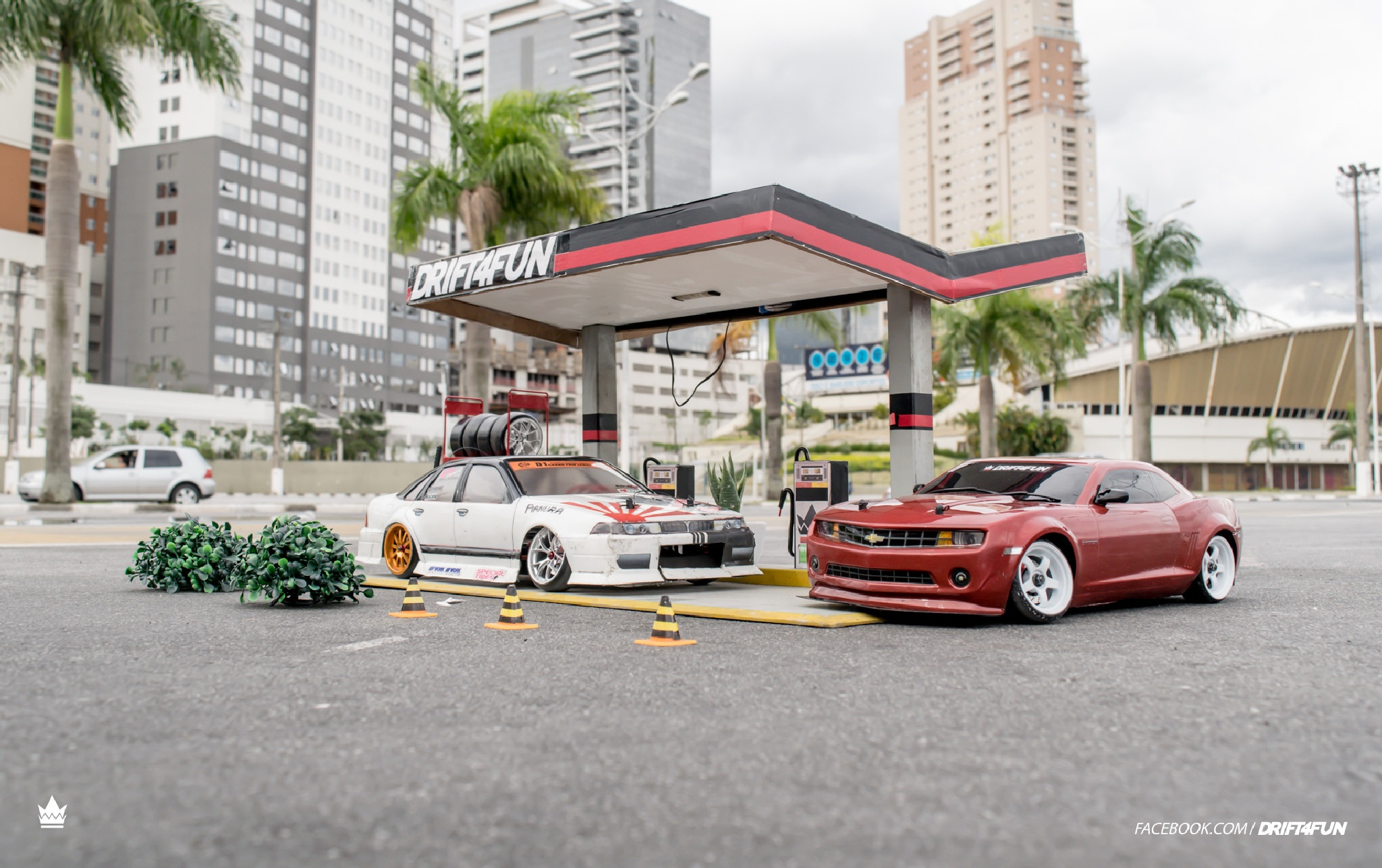 Gas station by Marcus Oliveira
