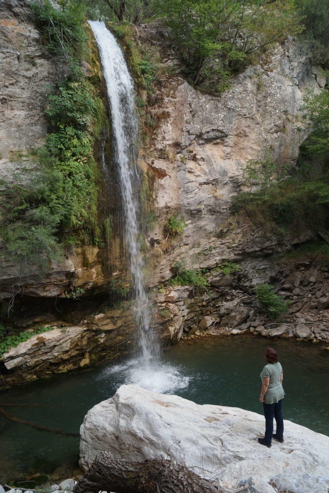 waterfall by panagiotiskotsarinis