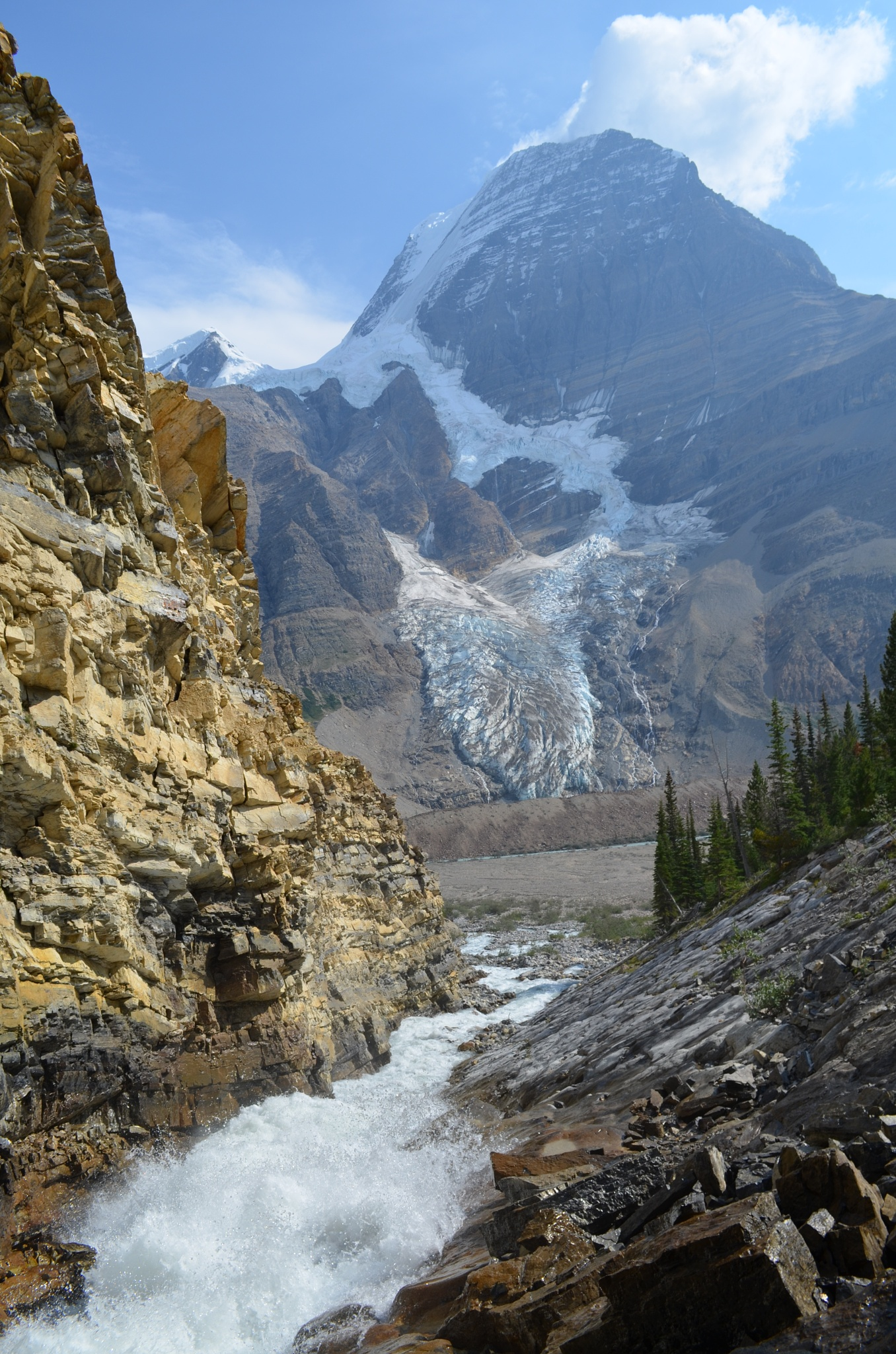 Mount Robson  by BrianStothard