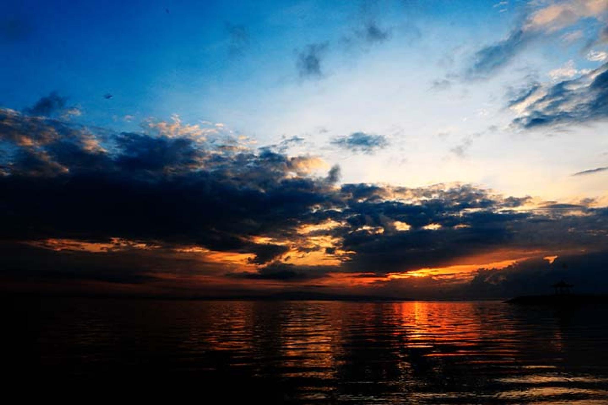 Matahari Terbit. by I Ketut Sukiana