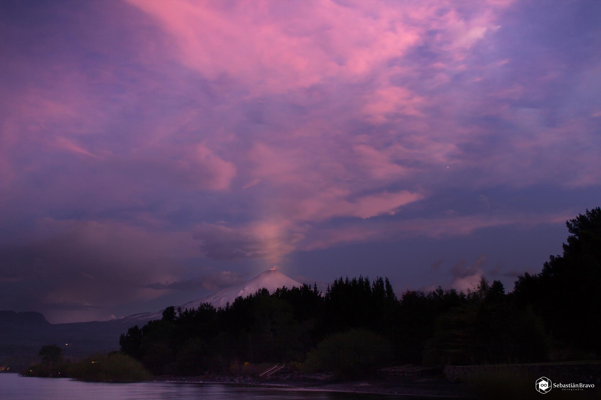 Villarrica volcano sunset by SebastianBravo