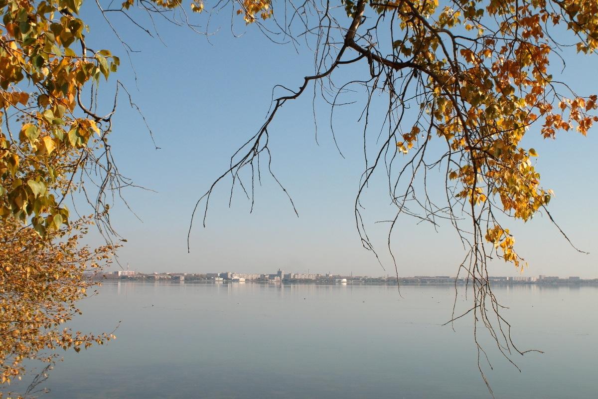 autumn lake by Alexey Komarov