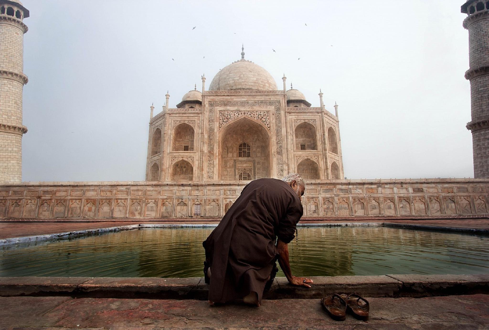 Taj Mahal by alessandrobergamini733