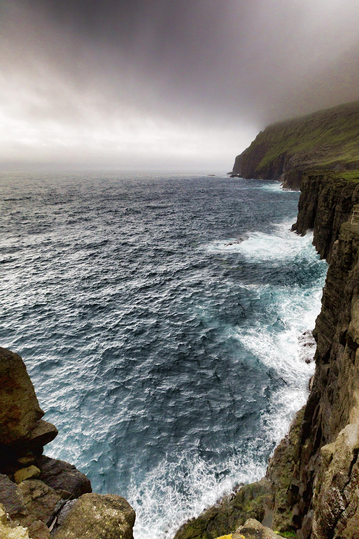 Atlantic ocean, Faroe Islands  by Faroe Islands Hiking