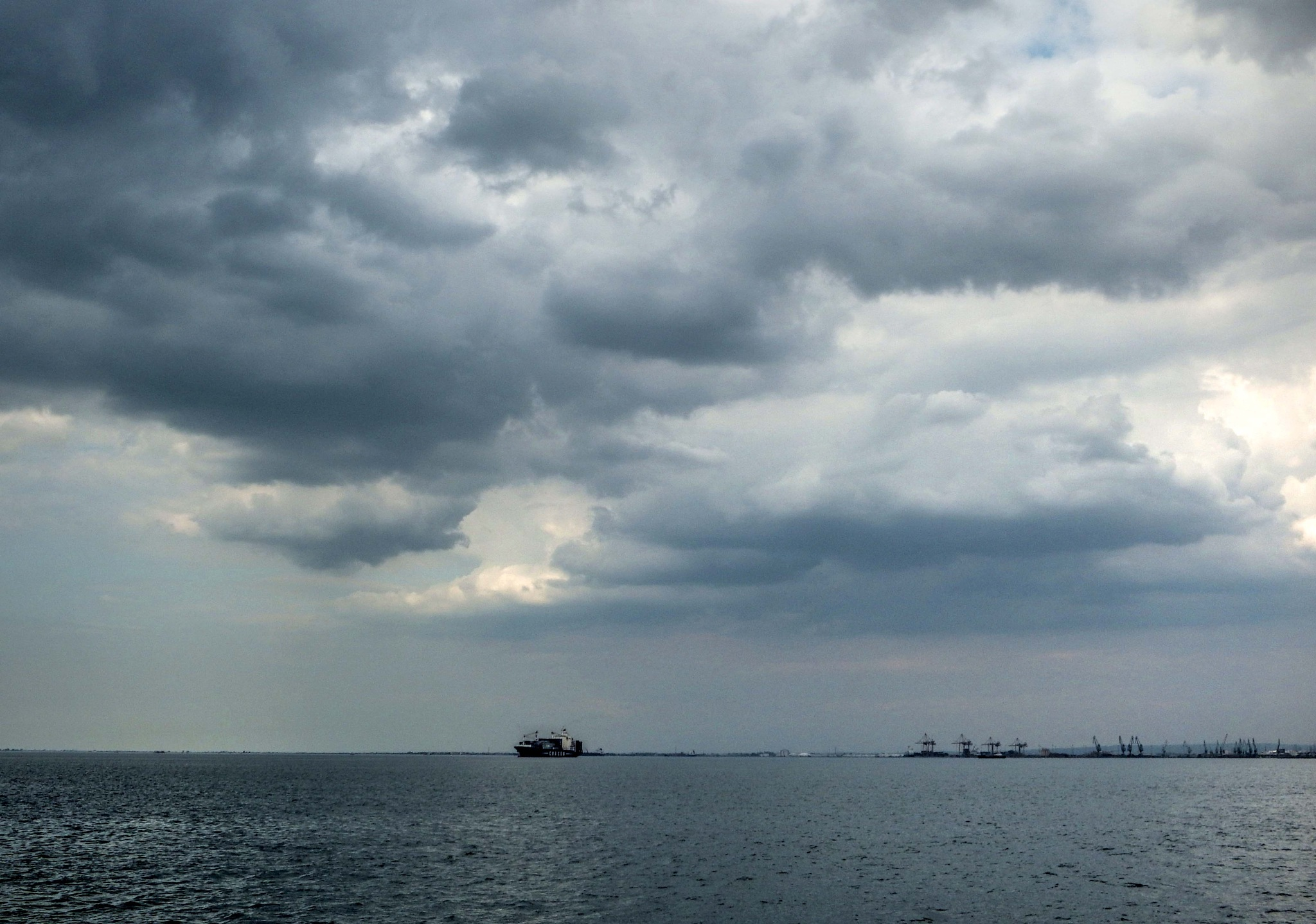 Port of Thessaloniki and cargo ships by mirka_p