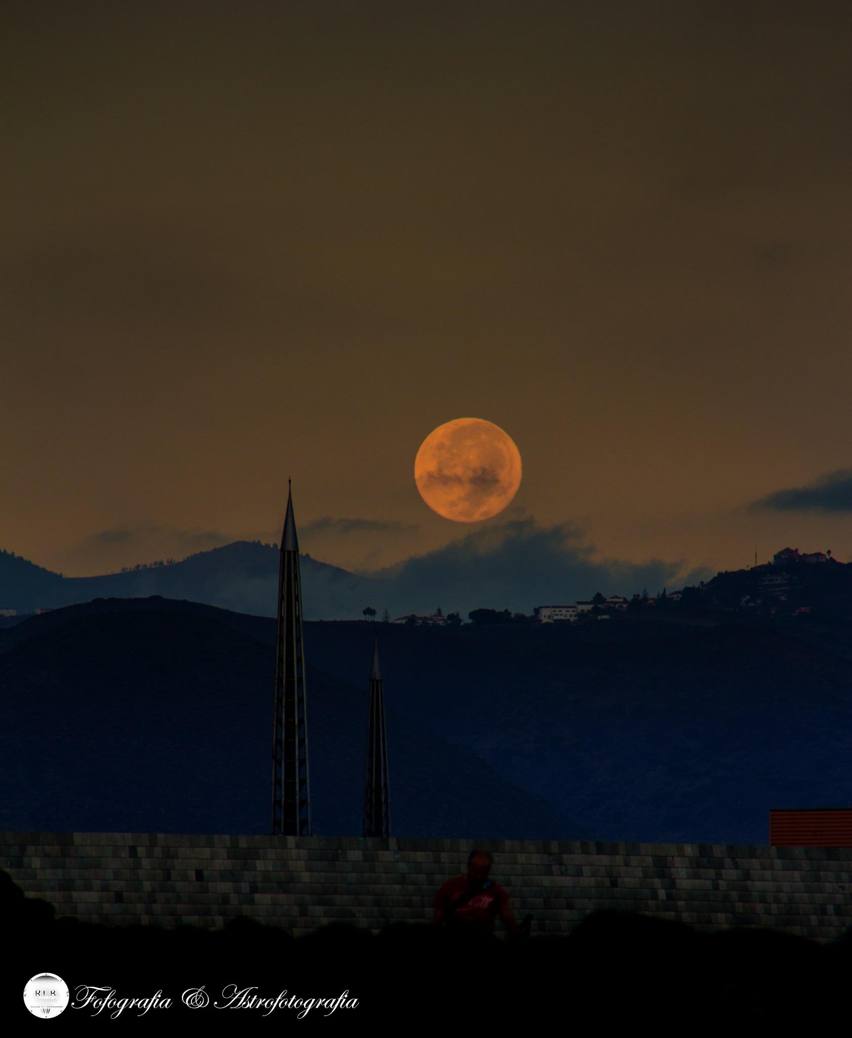 Amanecer de la Super Luna by papiroflexia