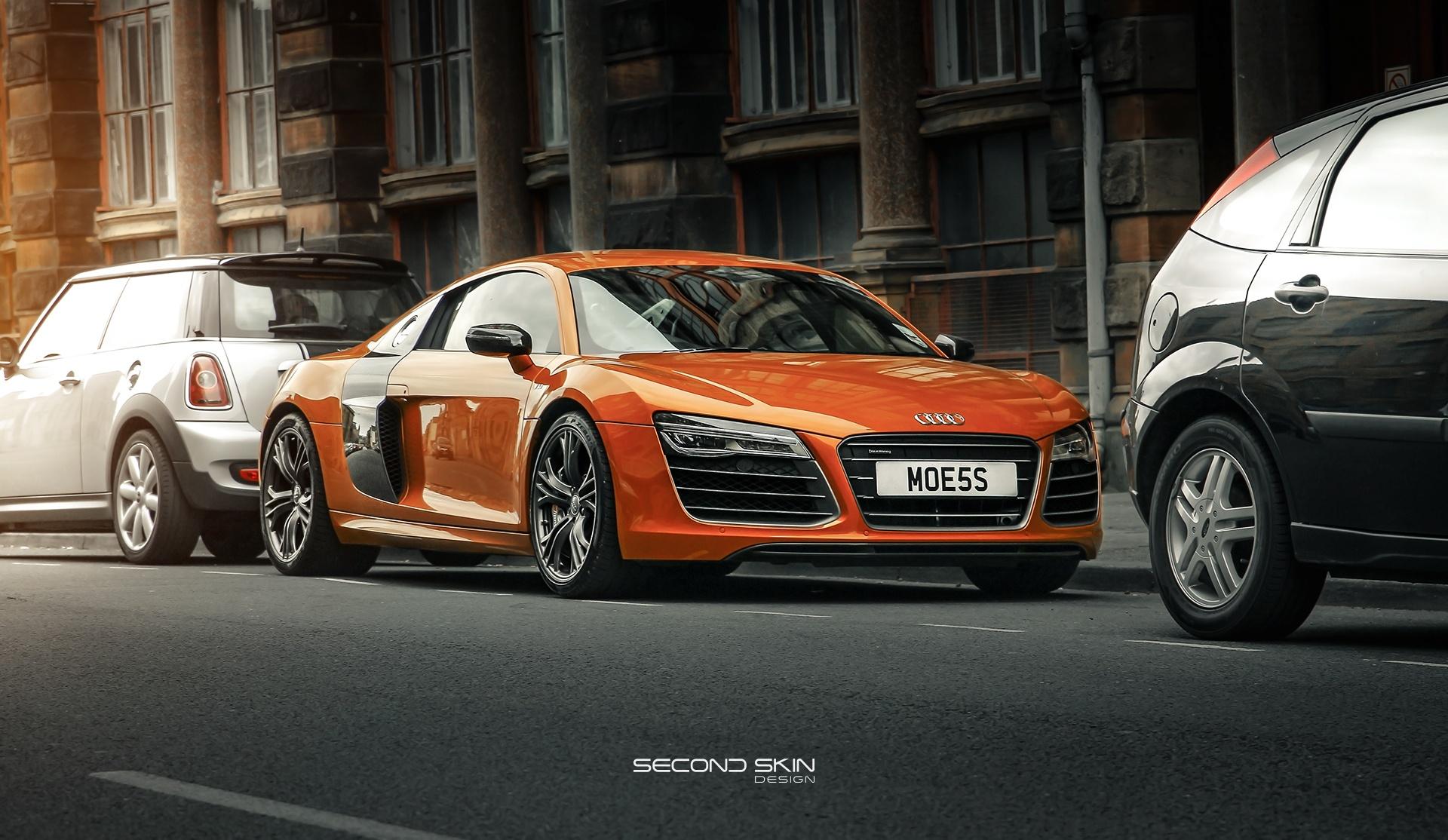 Audi R8 by Naseer Qureshi