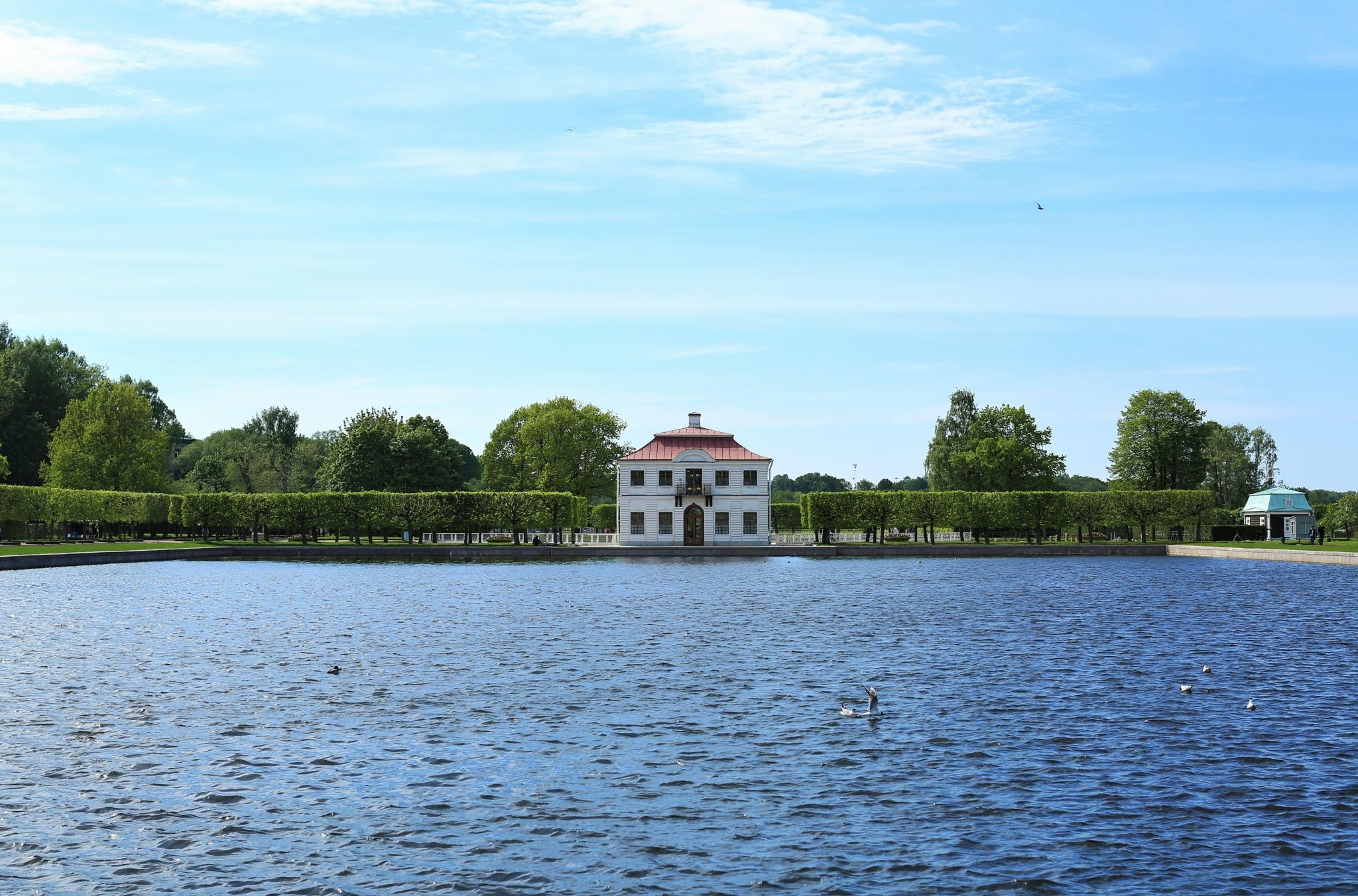 Peterhof Park by Alexandre Mounayer