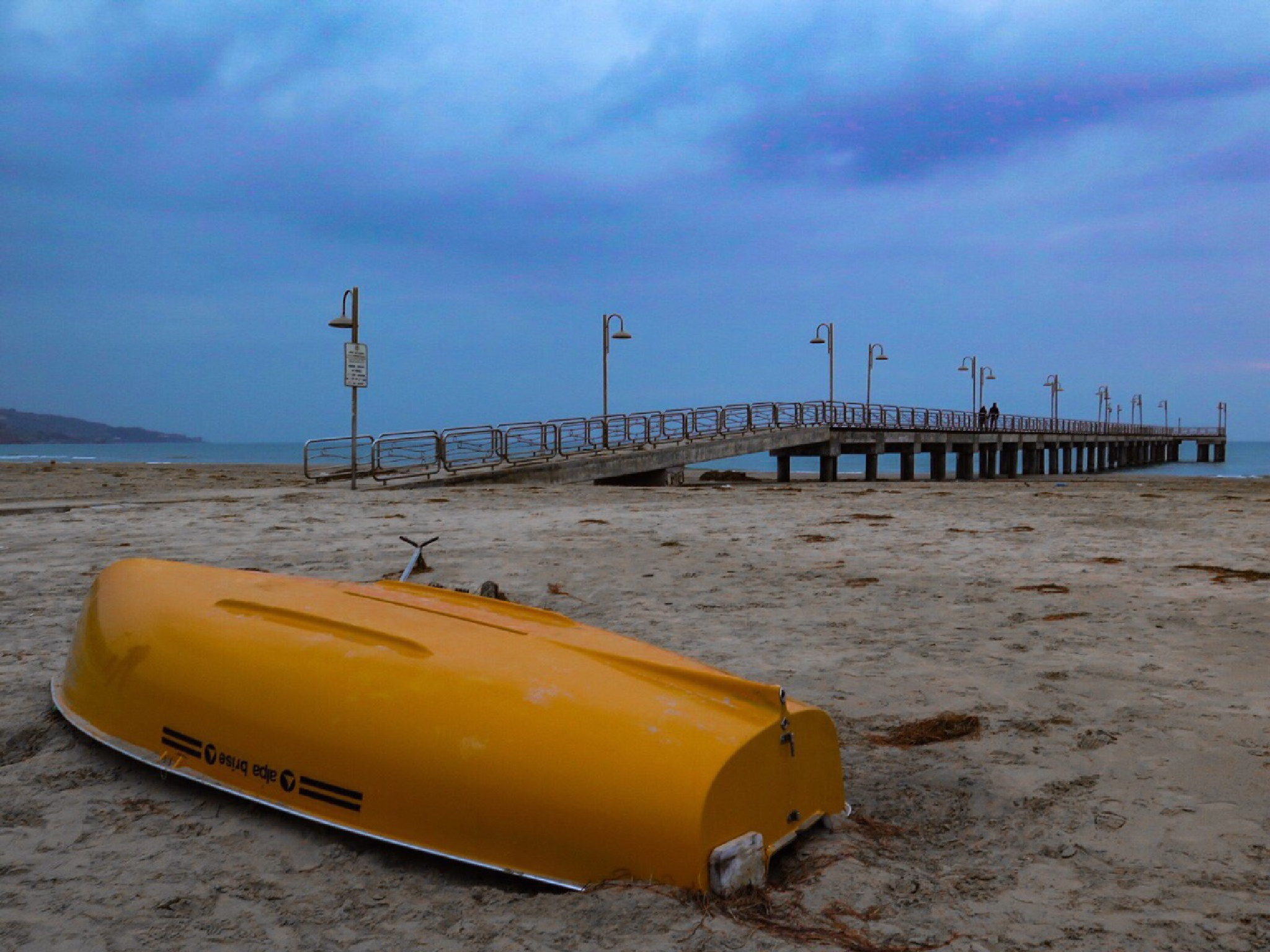 Yellow boat by G76