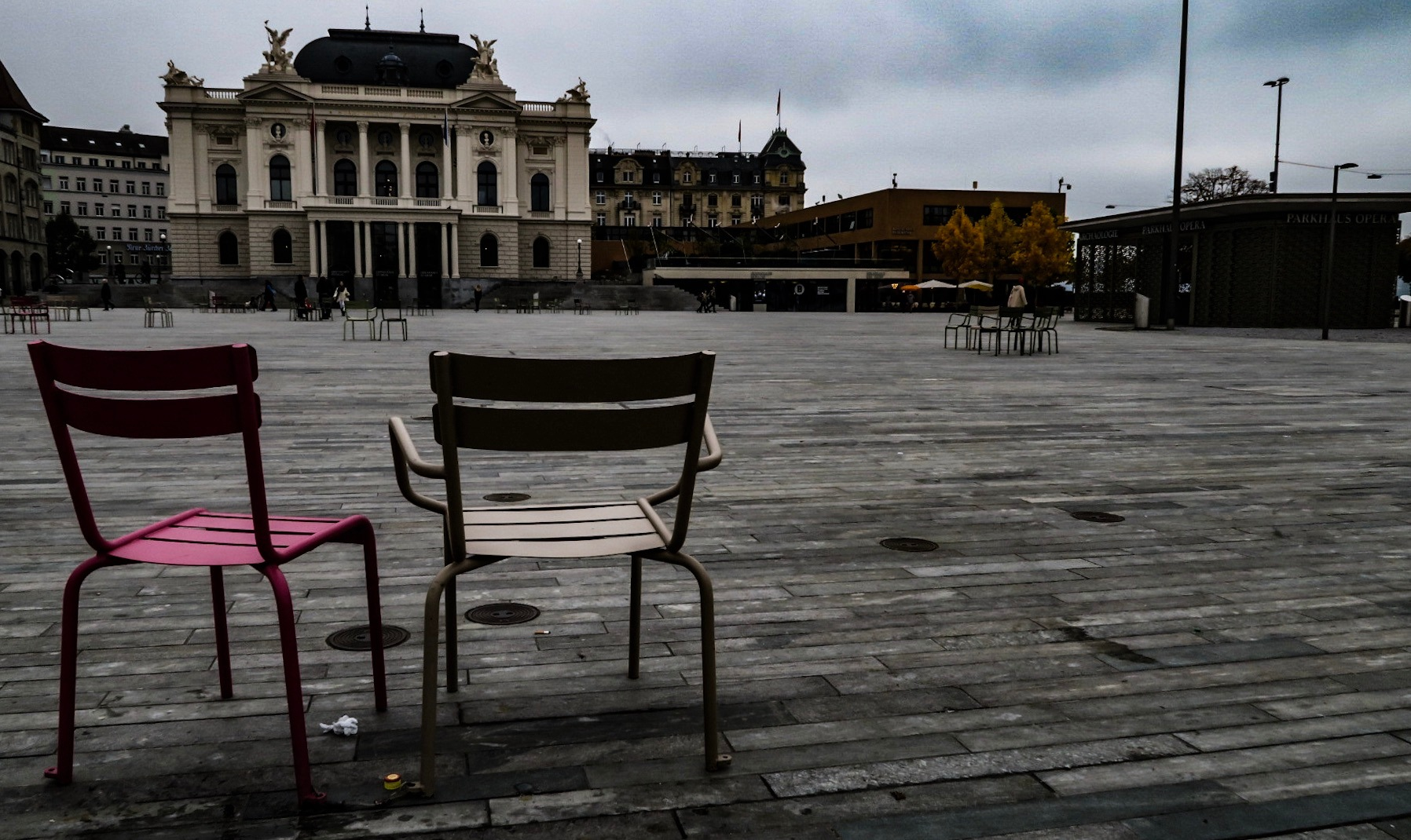The last two seats... by G76