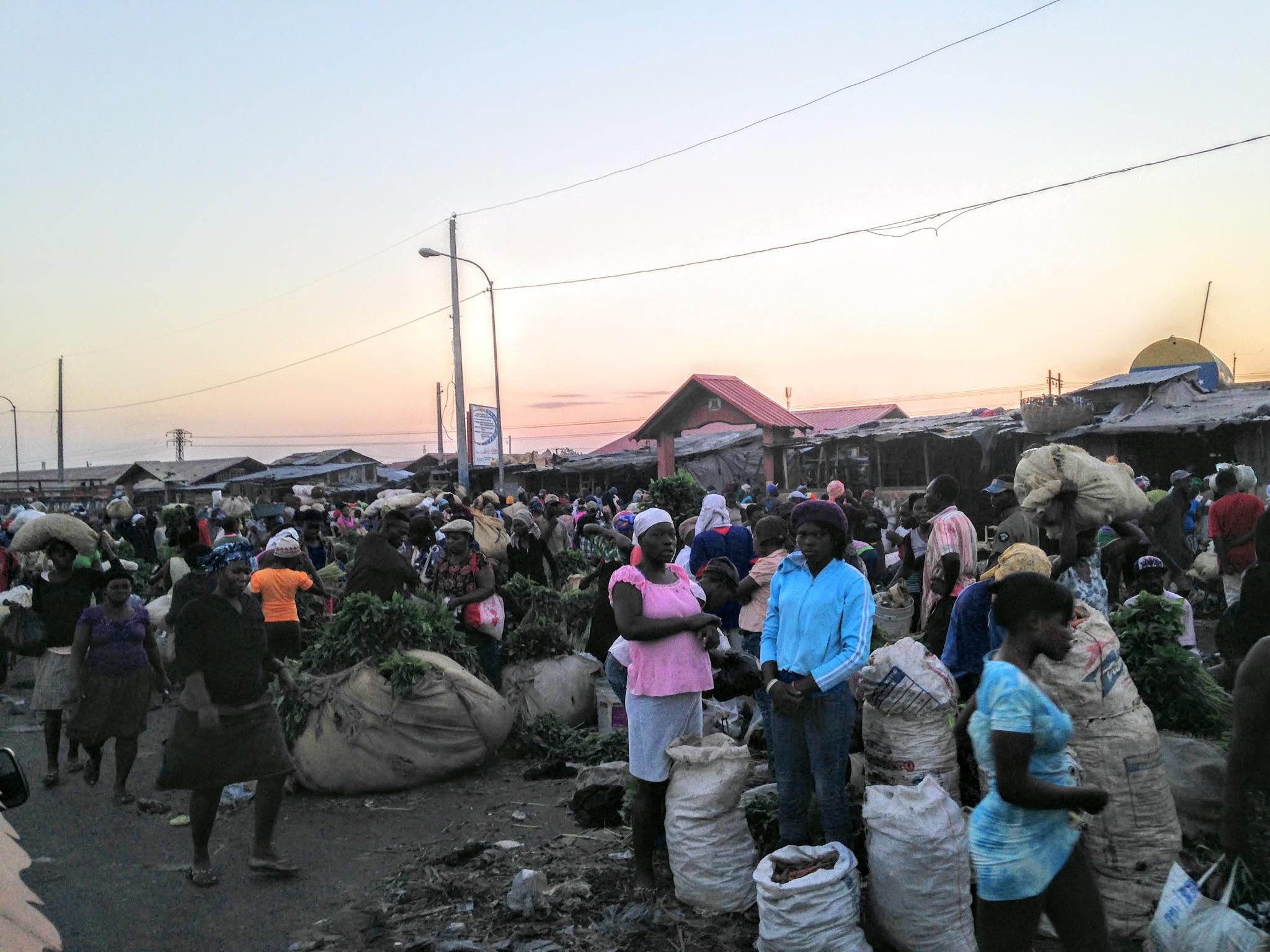 market place, Port au Prince  by 57falcon