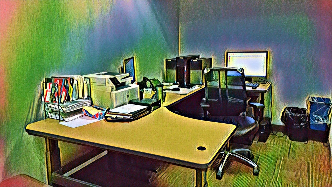 Work office.. by Roland Lavigne