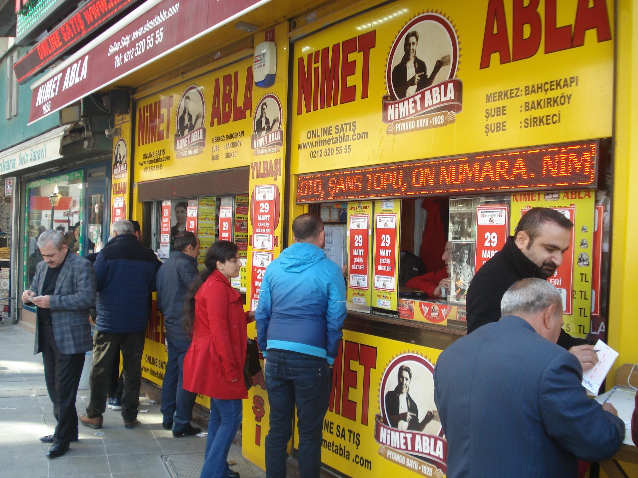 5 - 3/5 .. 90-131 .. İSTANBUL -Lottery Ticket Seller by GÜVEN YENERSOY