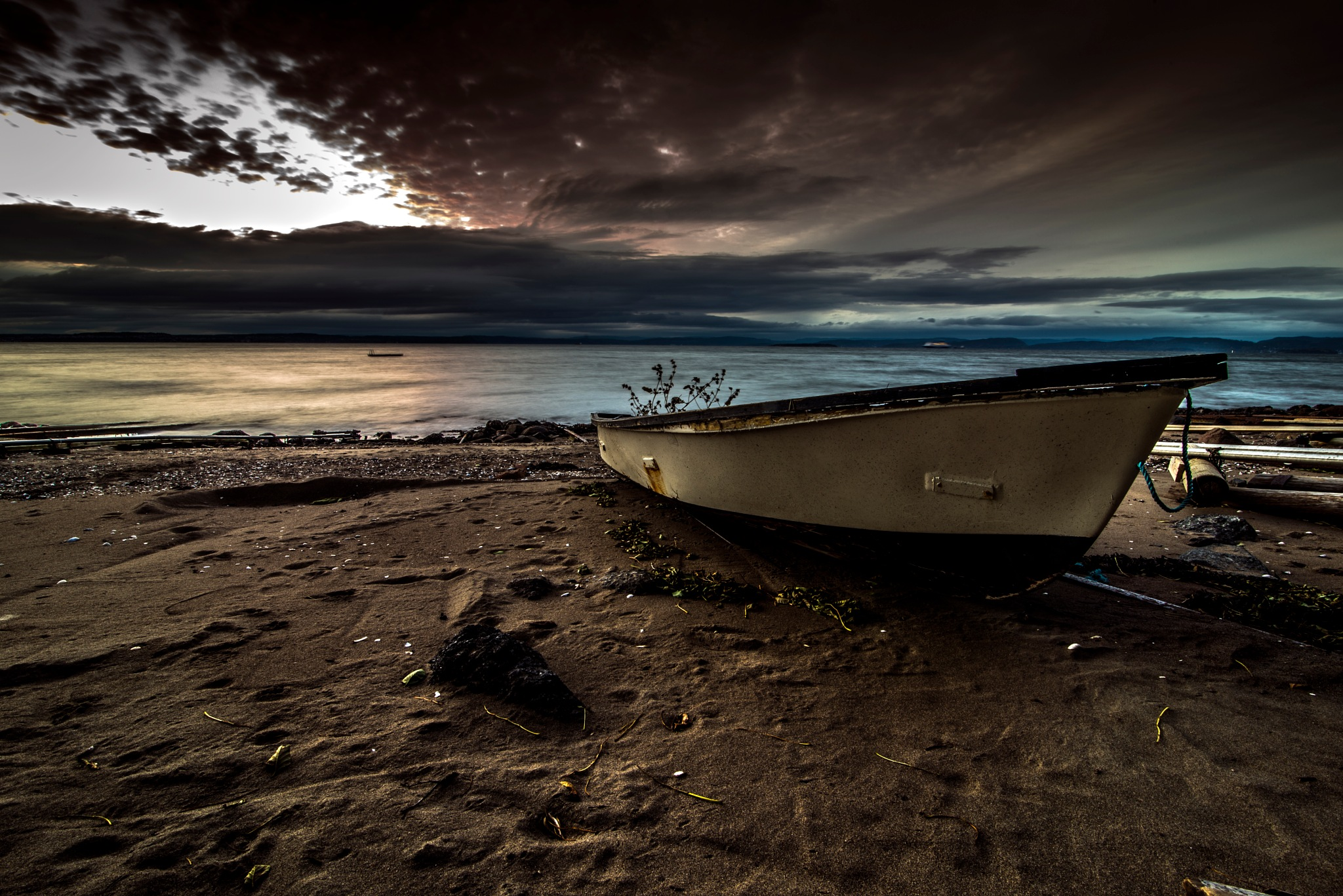 Boat by Tommy Lund